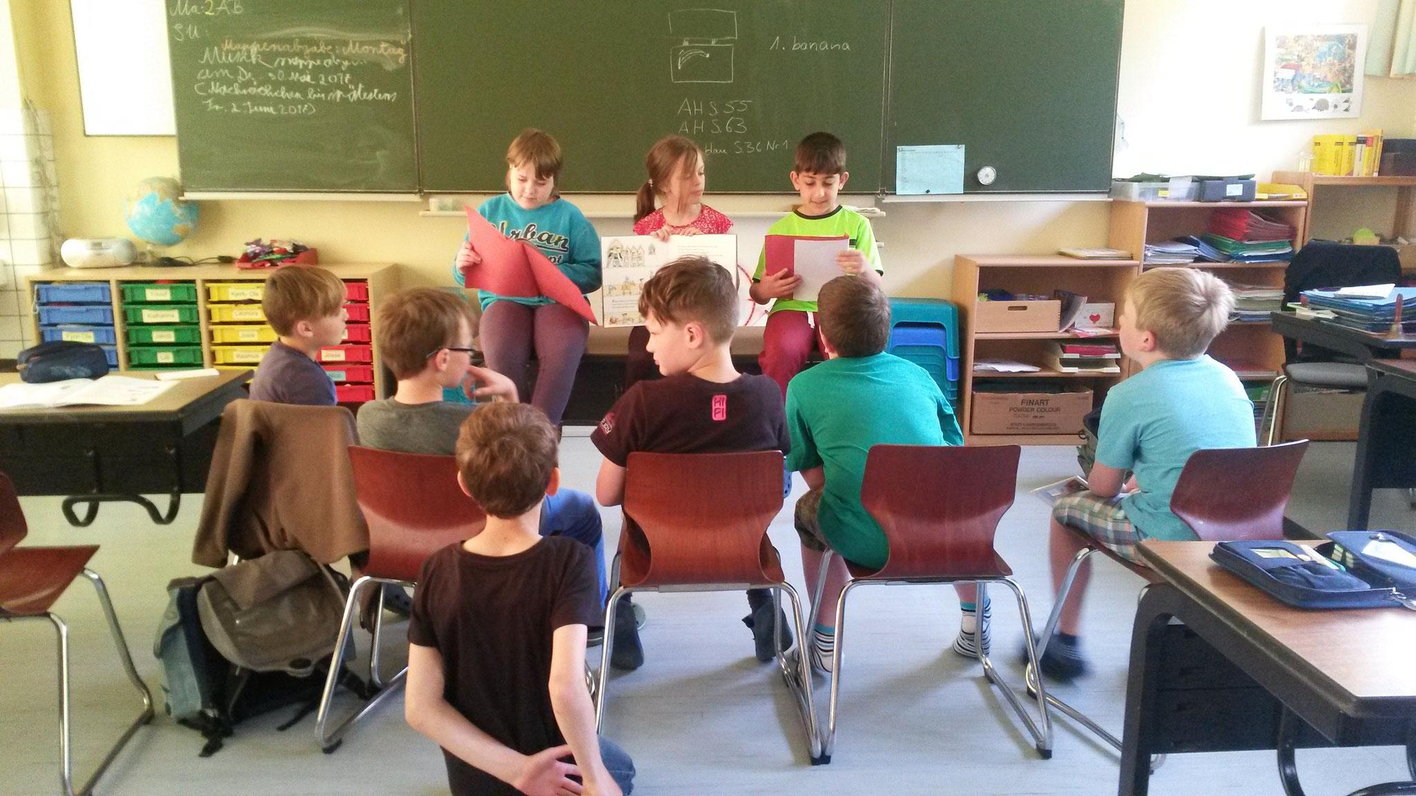 Letzte Probe vor dem Vorlesen im Kindergarten