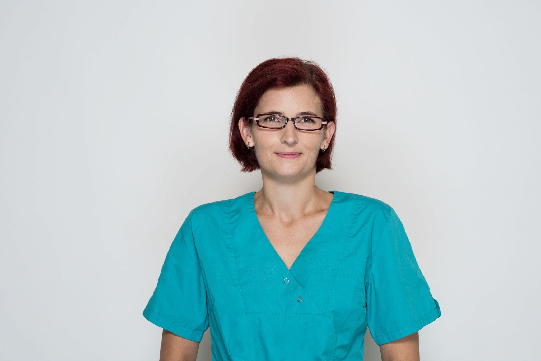 Katja Glugla, Praxisassistentin