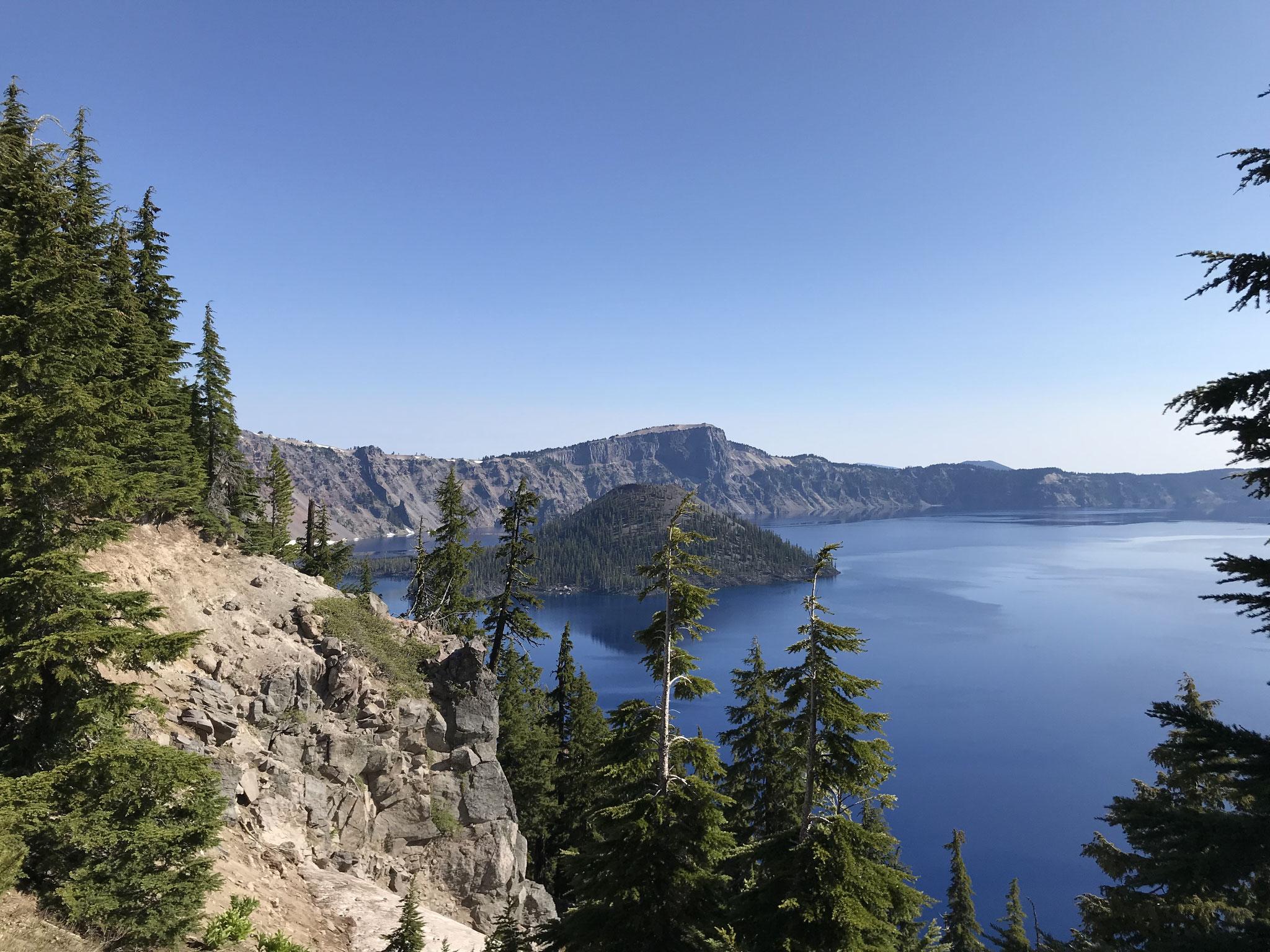 Ein tiefblauer See