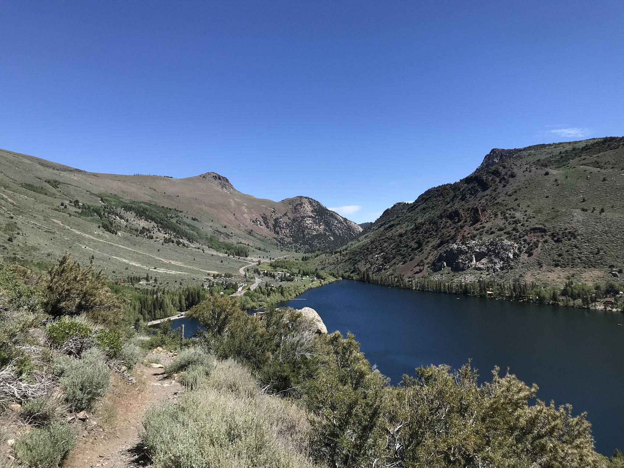 Blick während des Aufstiegs zurück auf den Lake Silver.