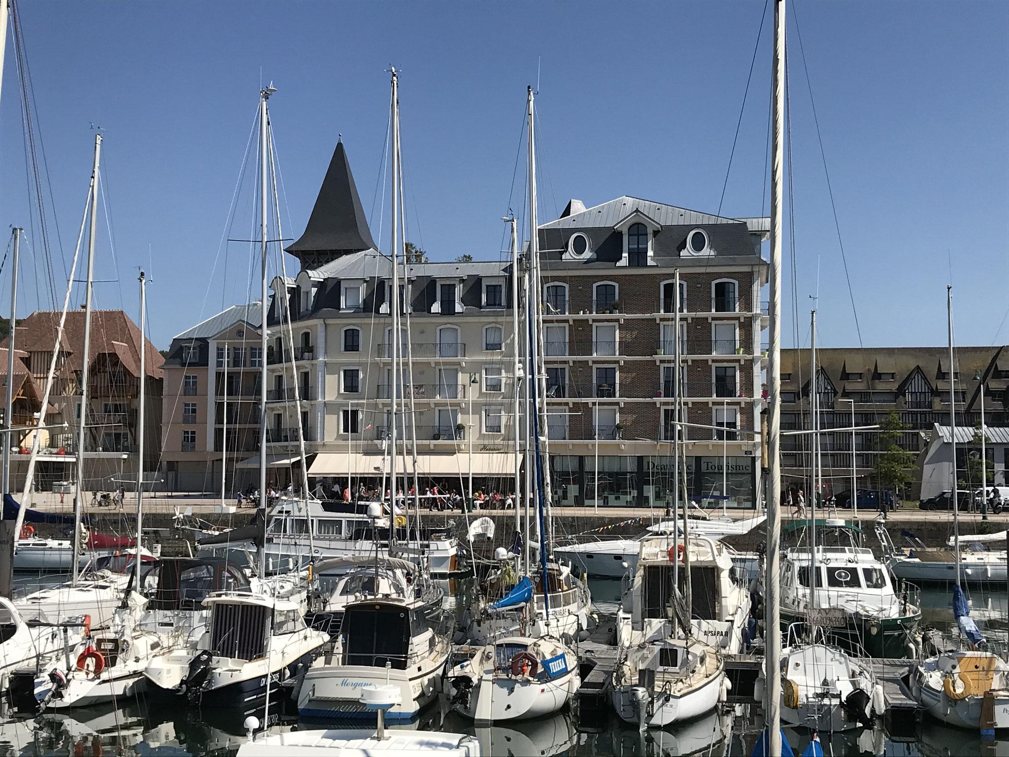 Yachthafen von Deauville