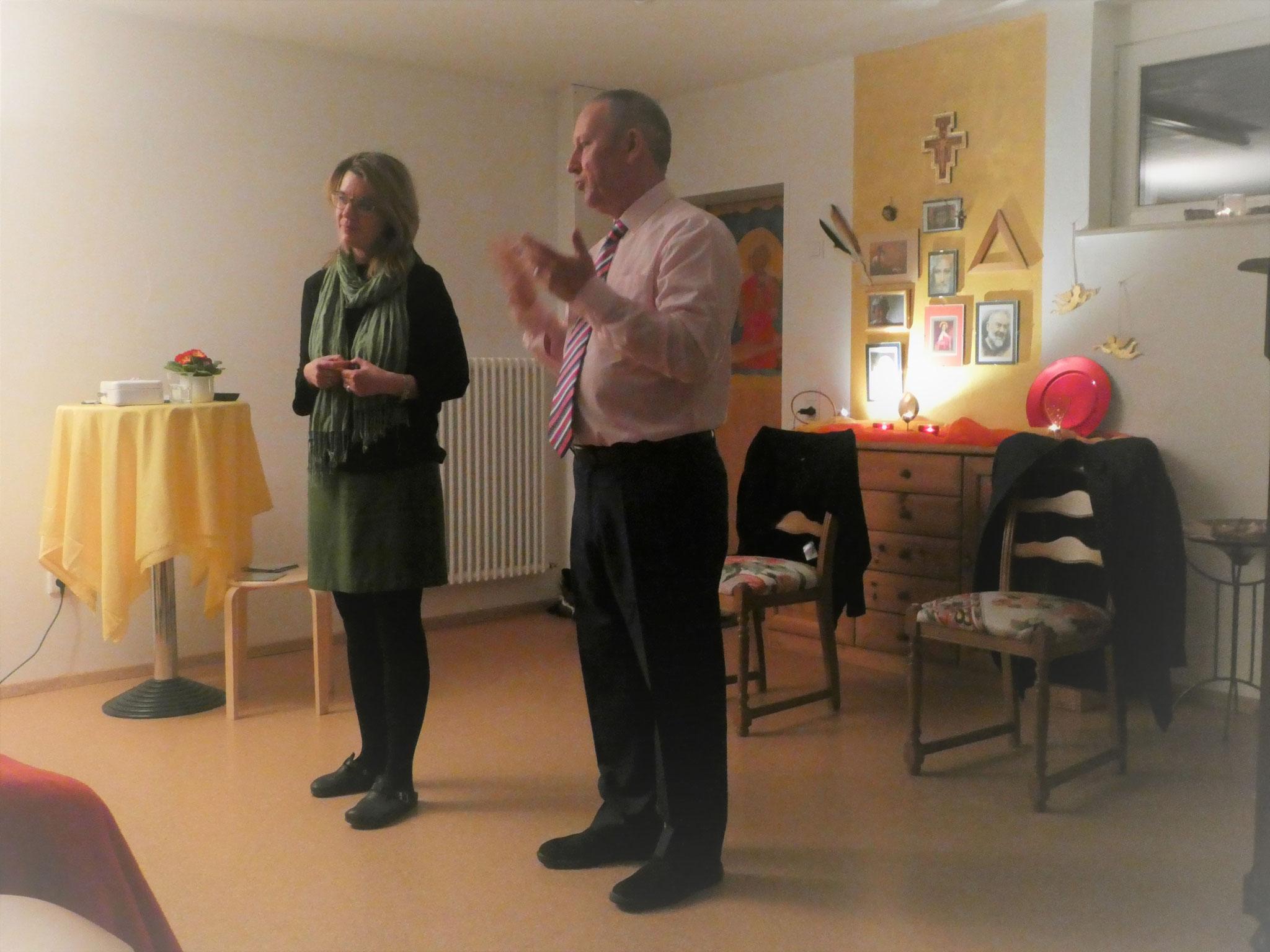 Ein wunderbarer, gemeinsamer Erlebnisabend...Claudia und Bill überbringen Botschaften geliebter Verstorbener...