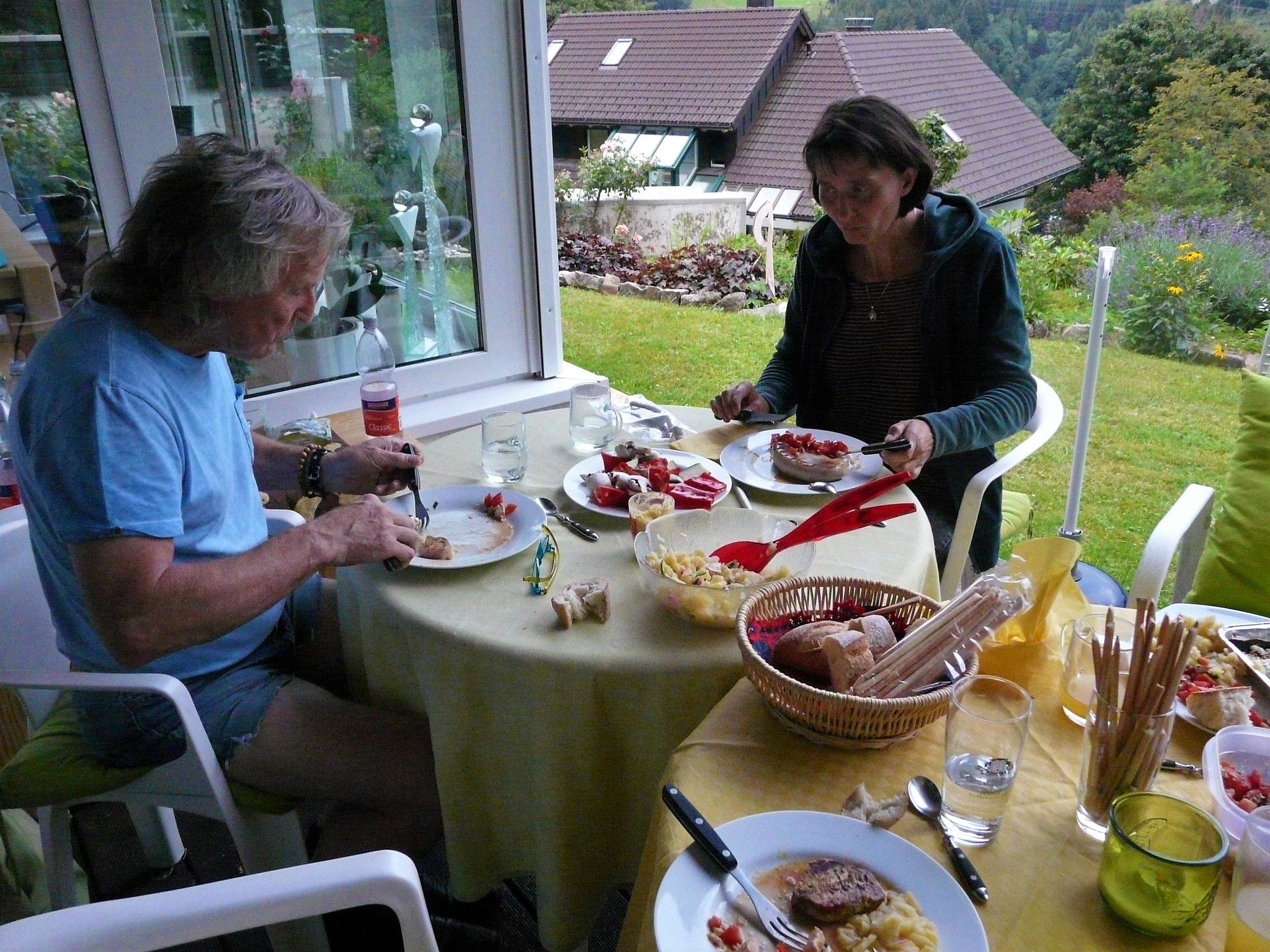 Anschließend: sommerlich Leckeres vom Grill!