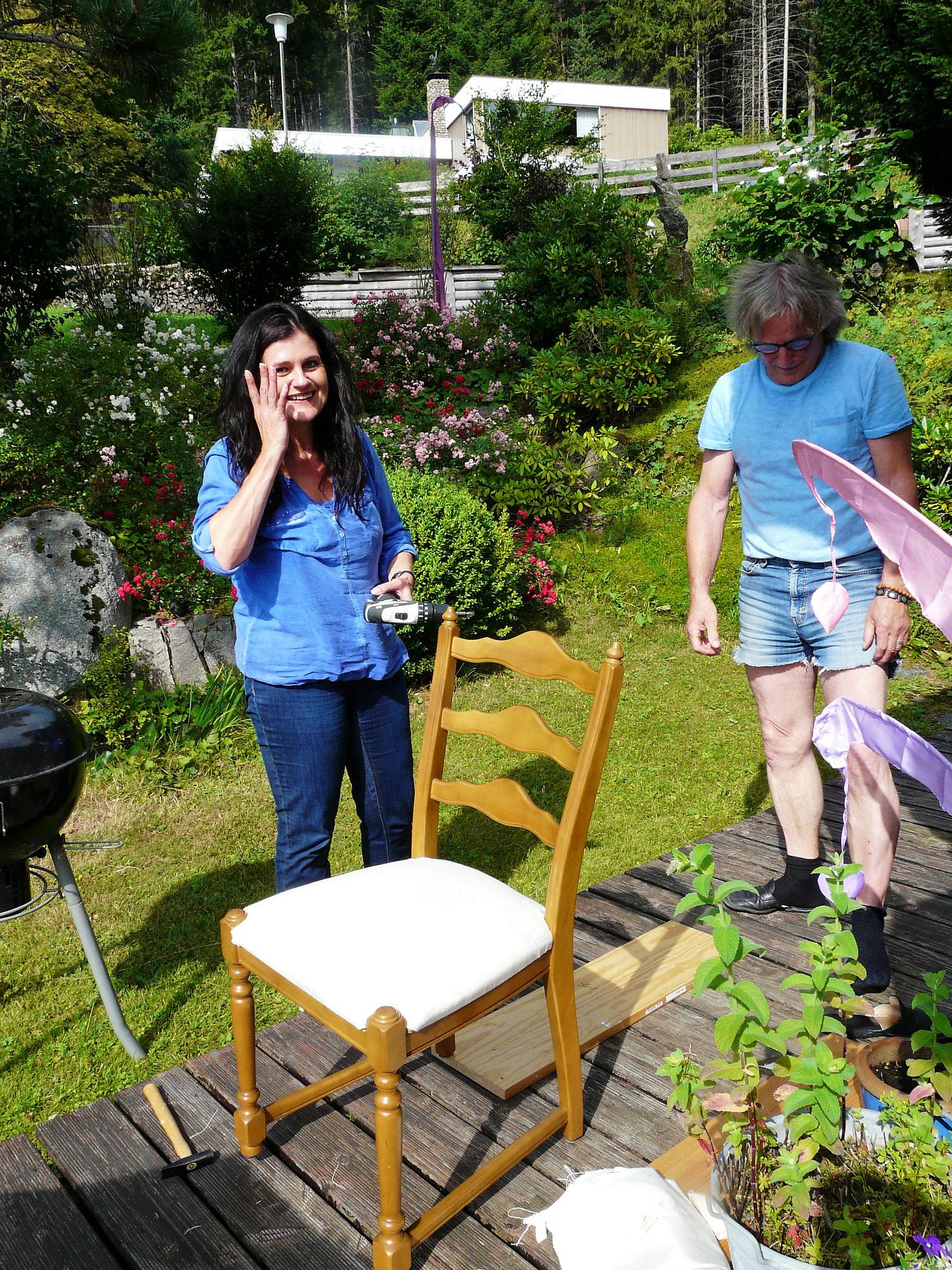 ...und schon ist der erste Stuhl fertig!