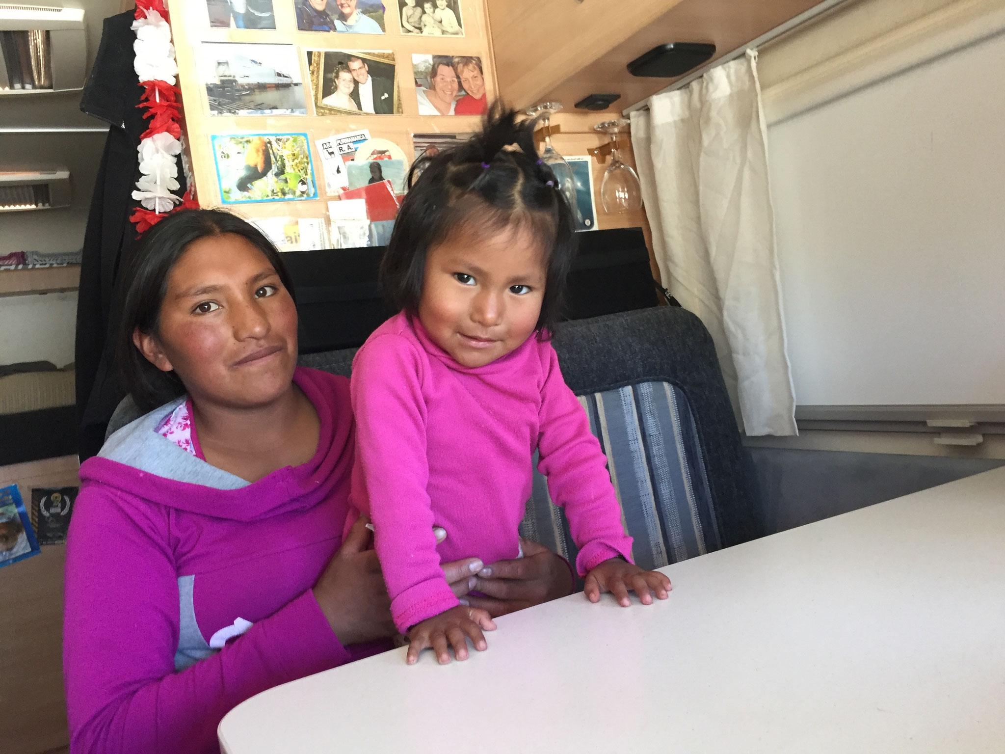 Irma und Tochter Delma machten Autostop, da wegen der Blockade keine Busse fuhren