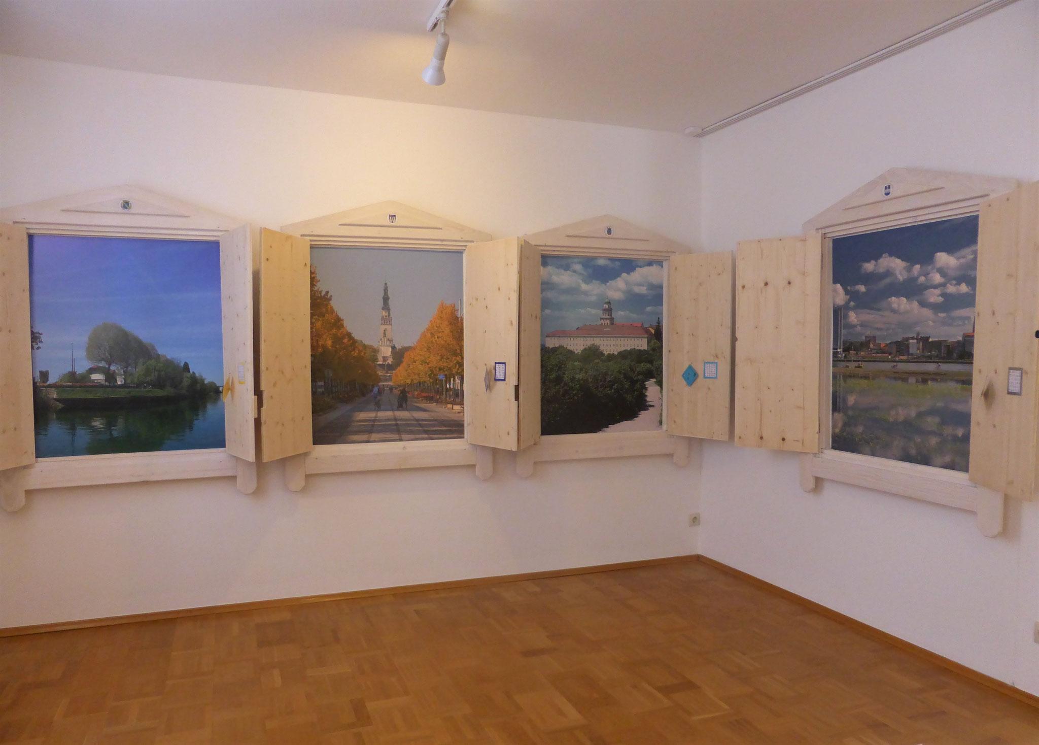 Geschlossene und geöffnete Fenster von Saint-Maur des Fossés (F), Częstochowa (PL),  Komitat Györ-Moson-Sopron (H) und Osijek (HR)