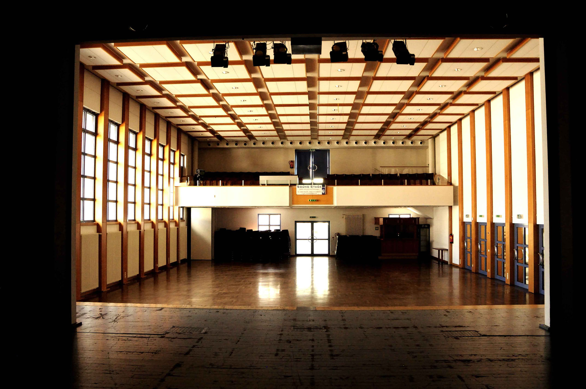 Stadthalle, großer Saal, Blick von der Bühne