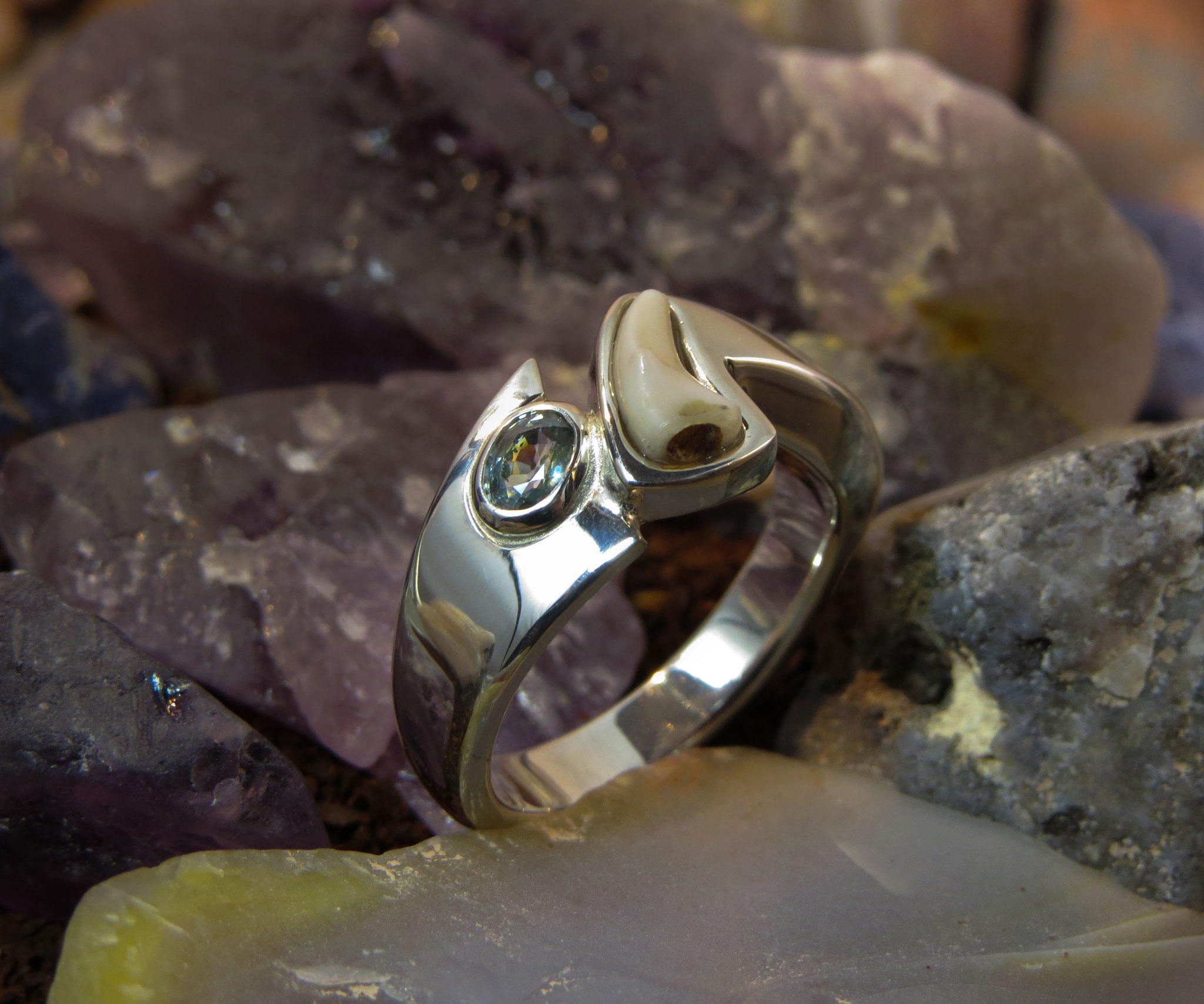 925 zilver met Saffier en een tandje