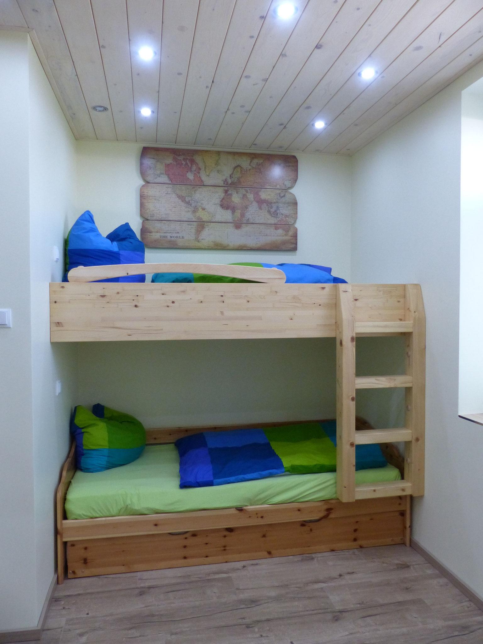 Schlafzimmer klein mit Doppelstockbett