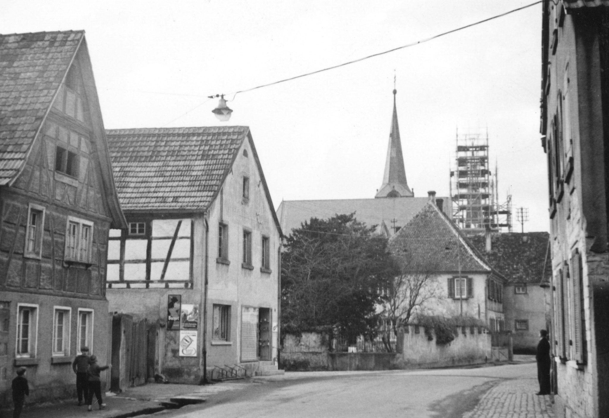 Hauptstraße vor 1972 (Geitherhaus, als Bürgermeisteramt genutzt, wurde 1972 abgerissen)