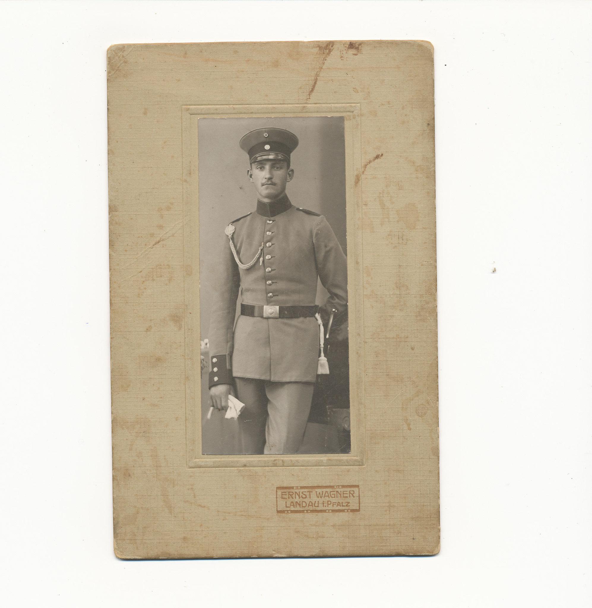 Anton Nebel, Bruder von Barbara Adam geb. Nebel, der am 2. Tag des I. Weltkrieges fiel