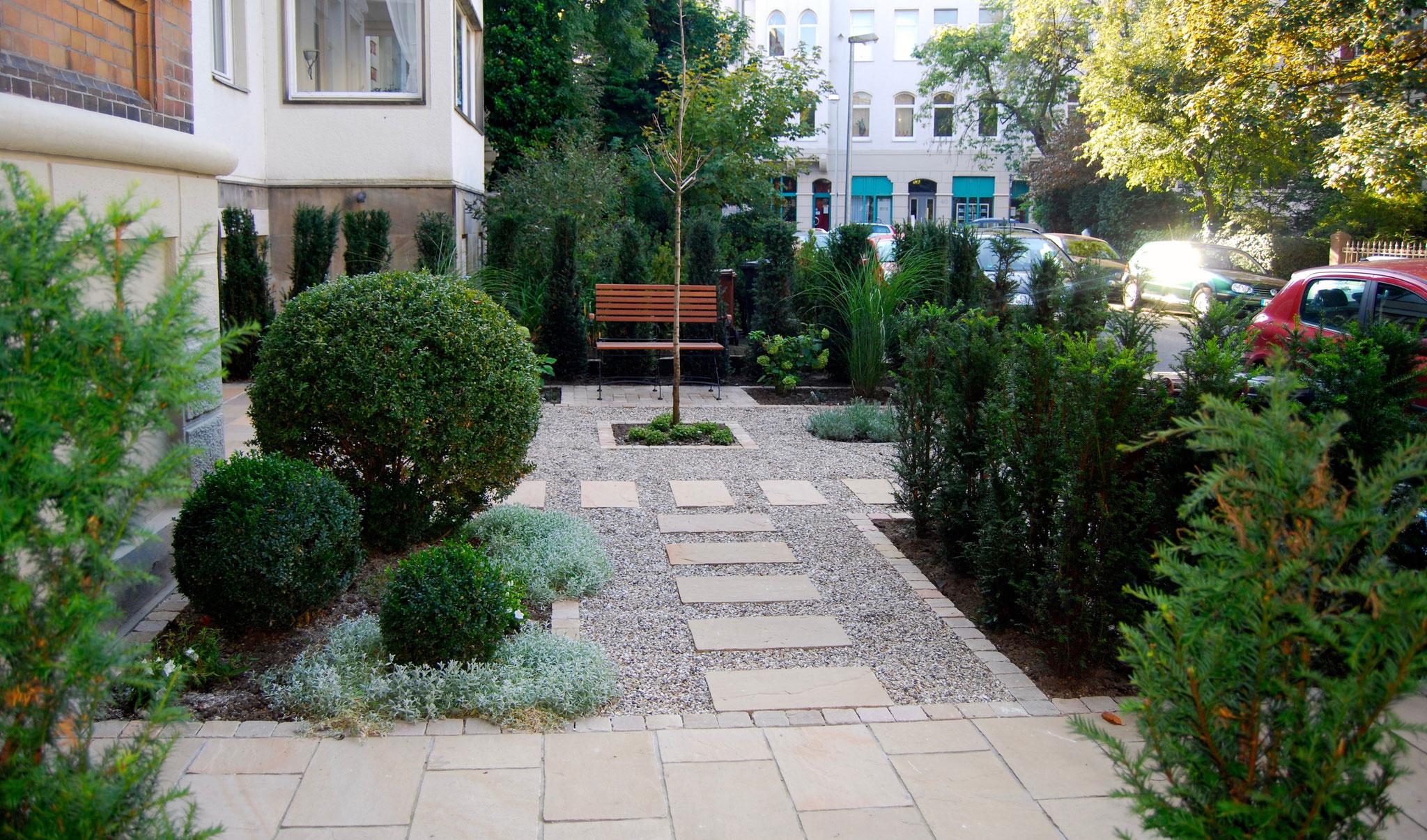 Vorgarten 24