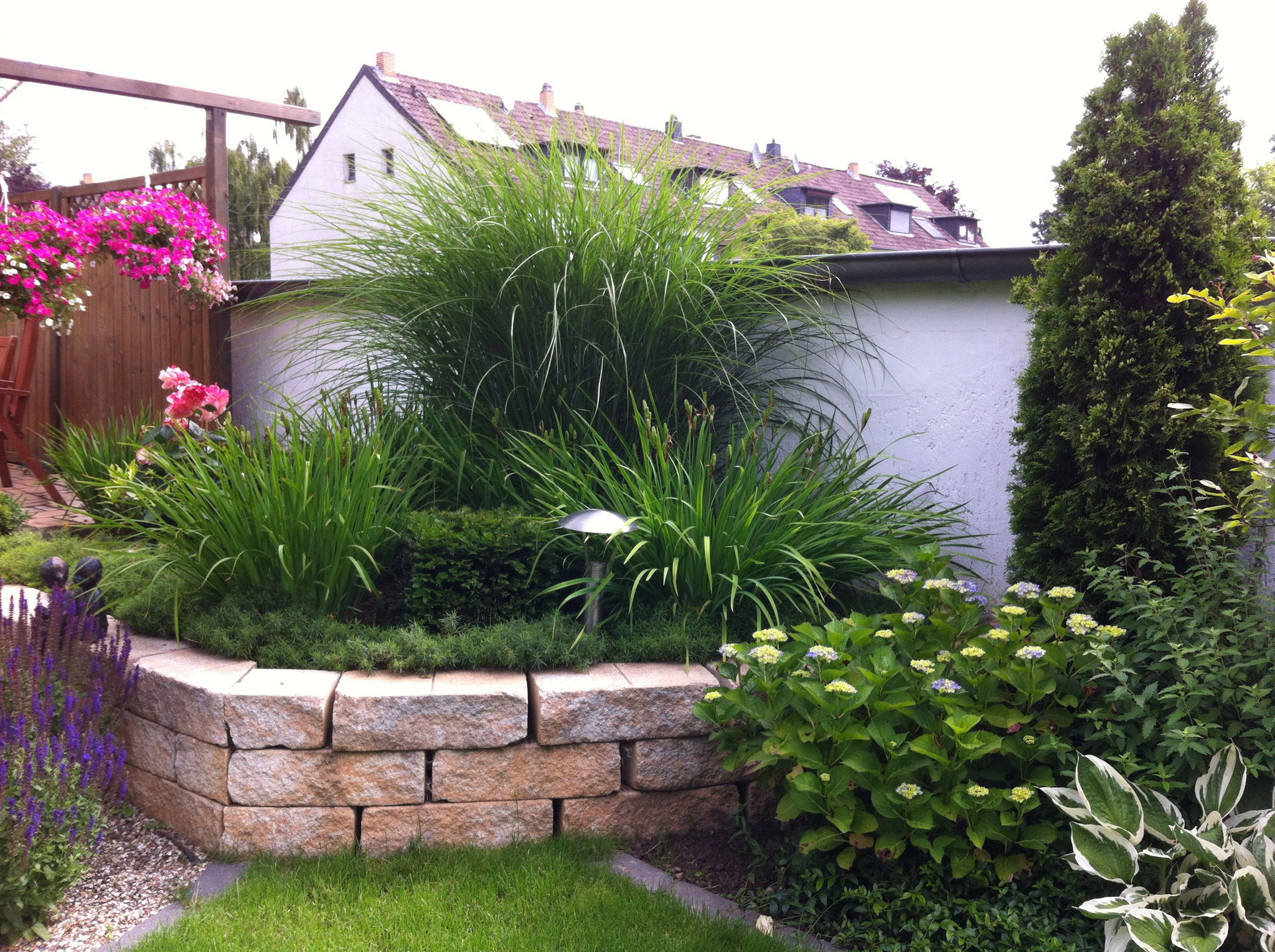 Gartenmauer 9