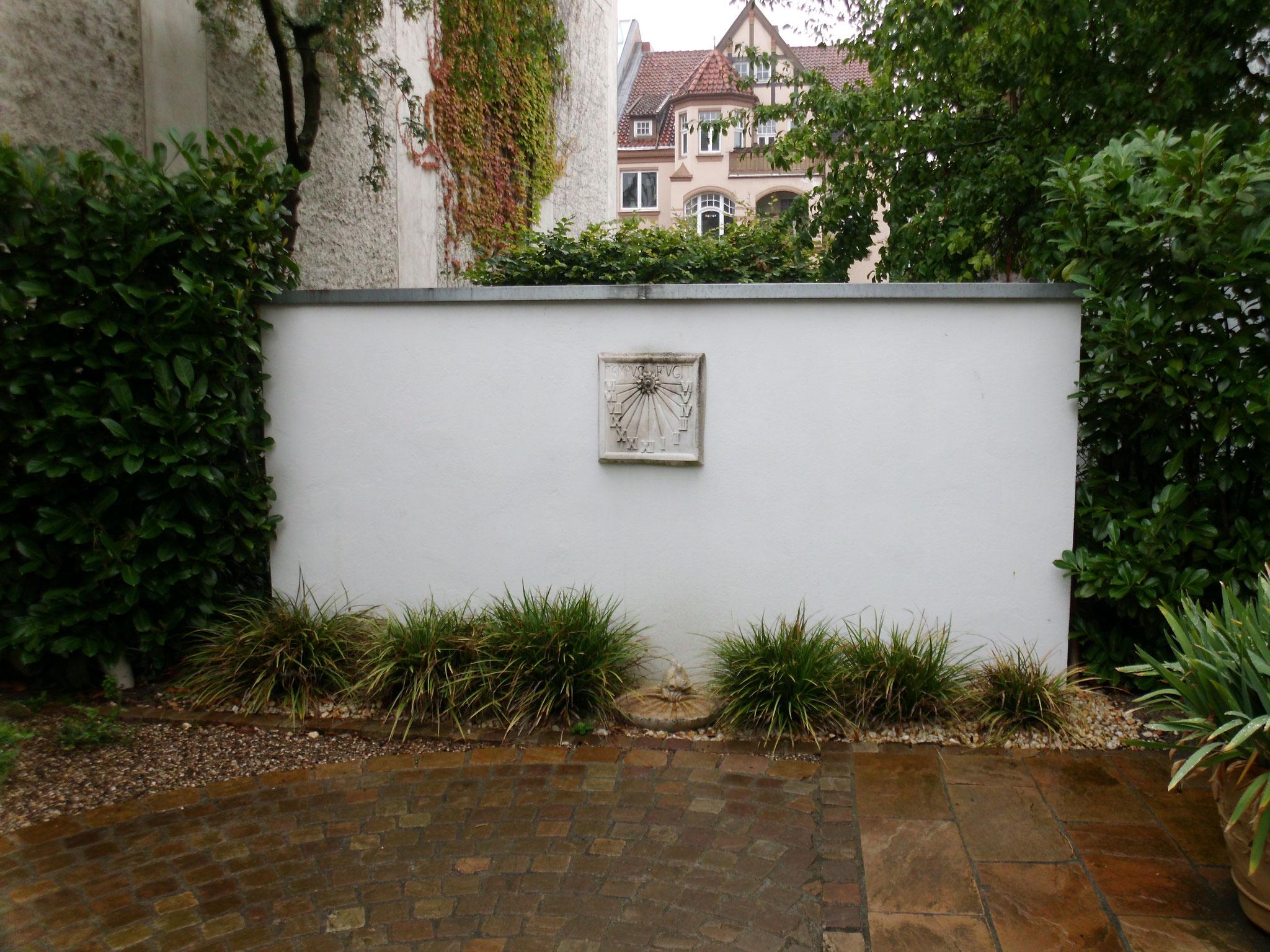 Gartenmauer 24