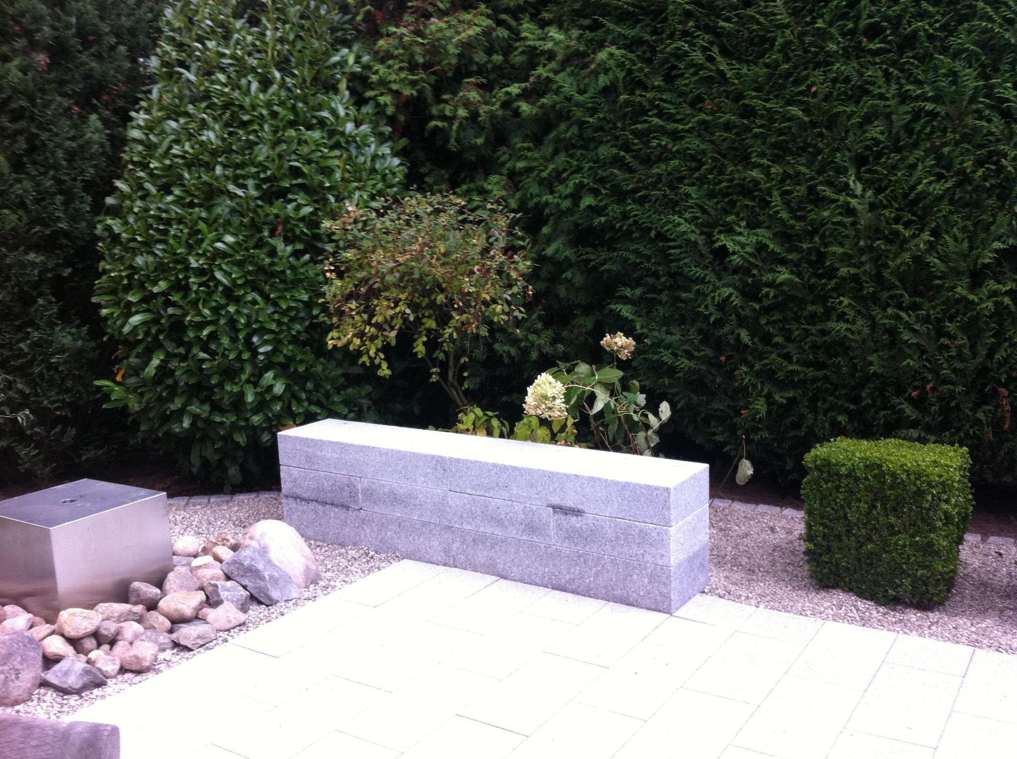 Gartenmauer 3