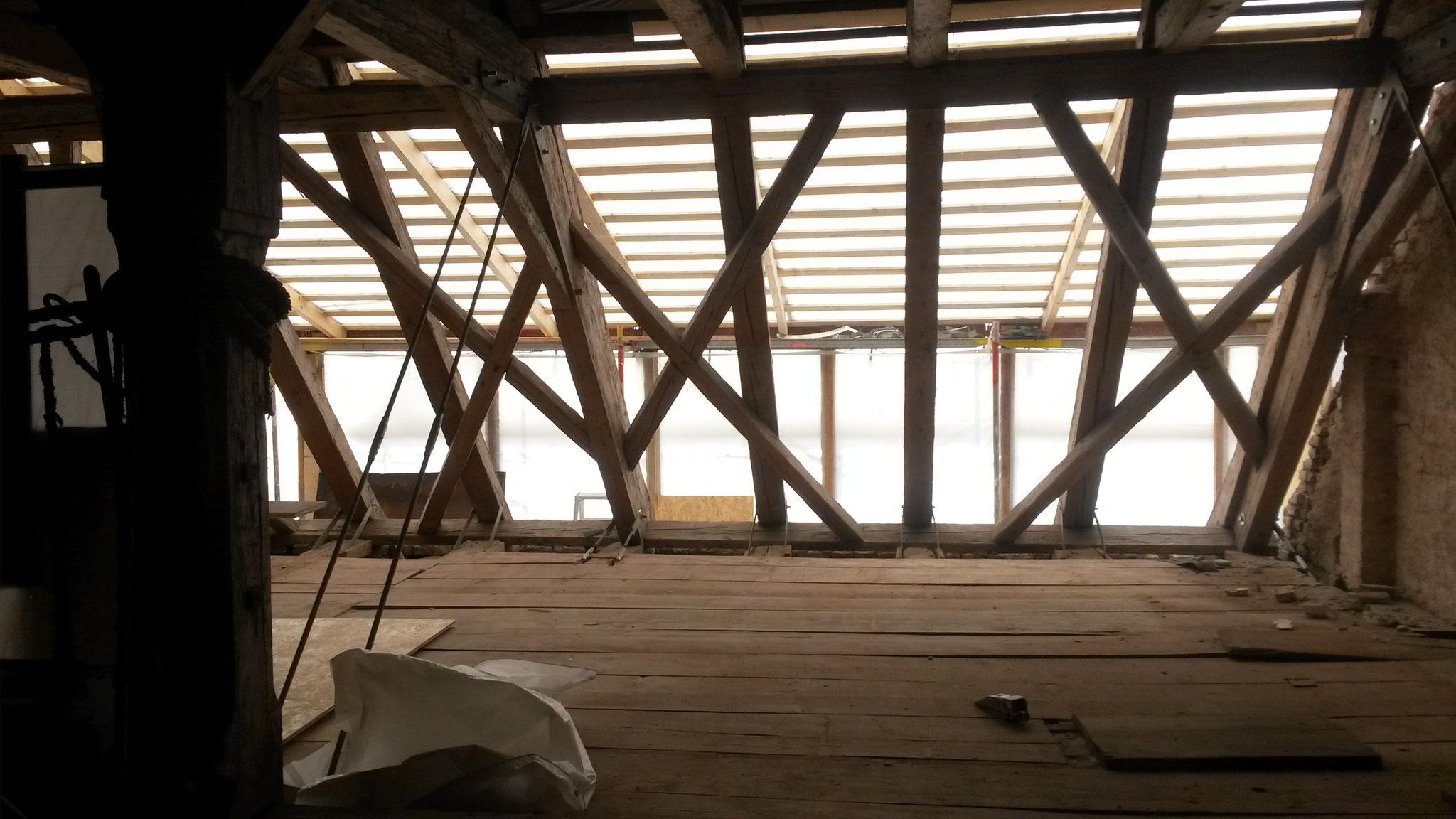 Der Dachstuhl wird erneuert