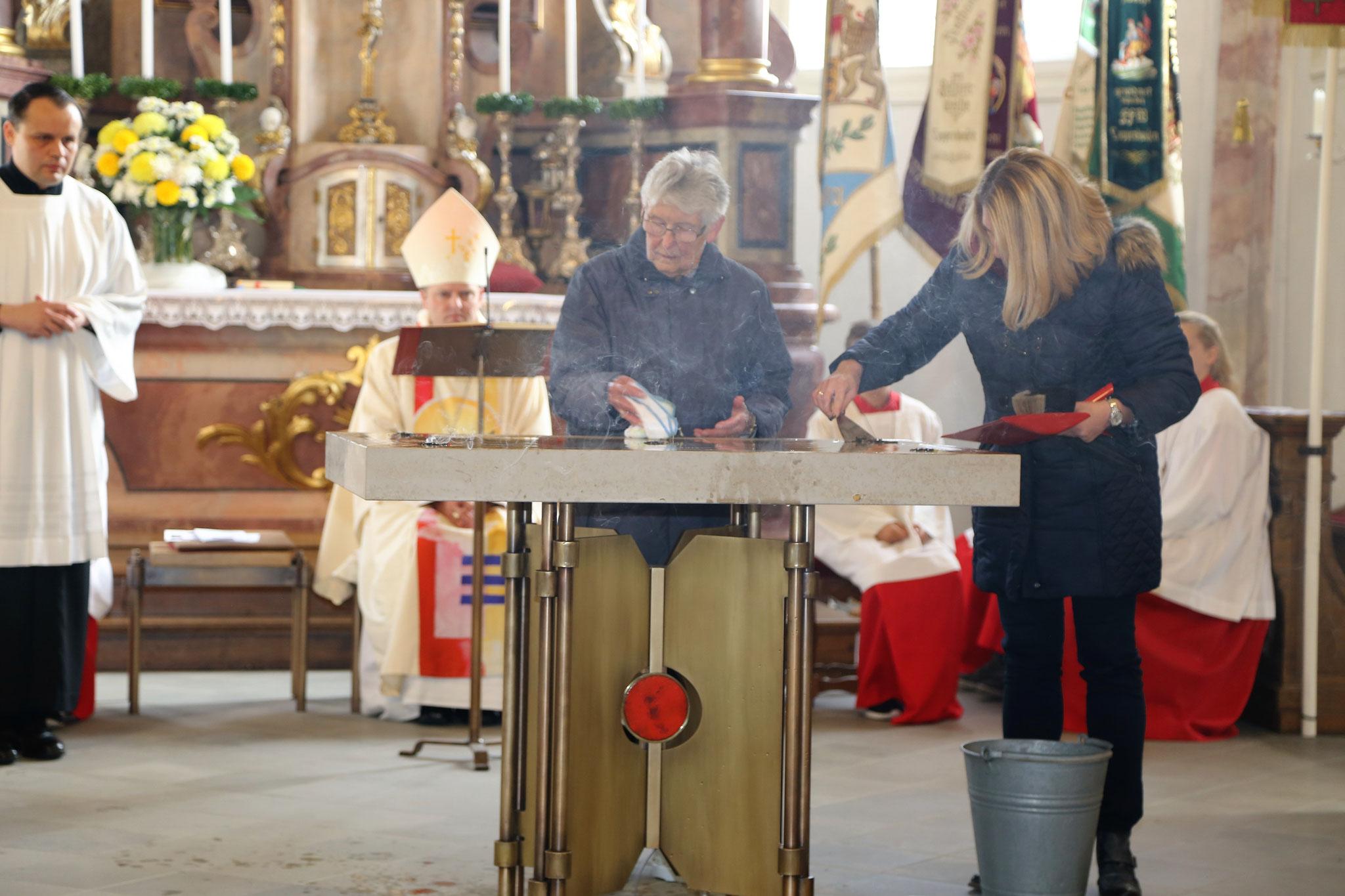 Reinigen des Altares