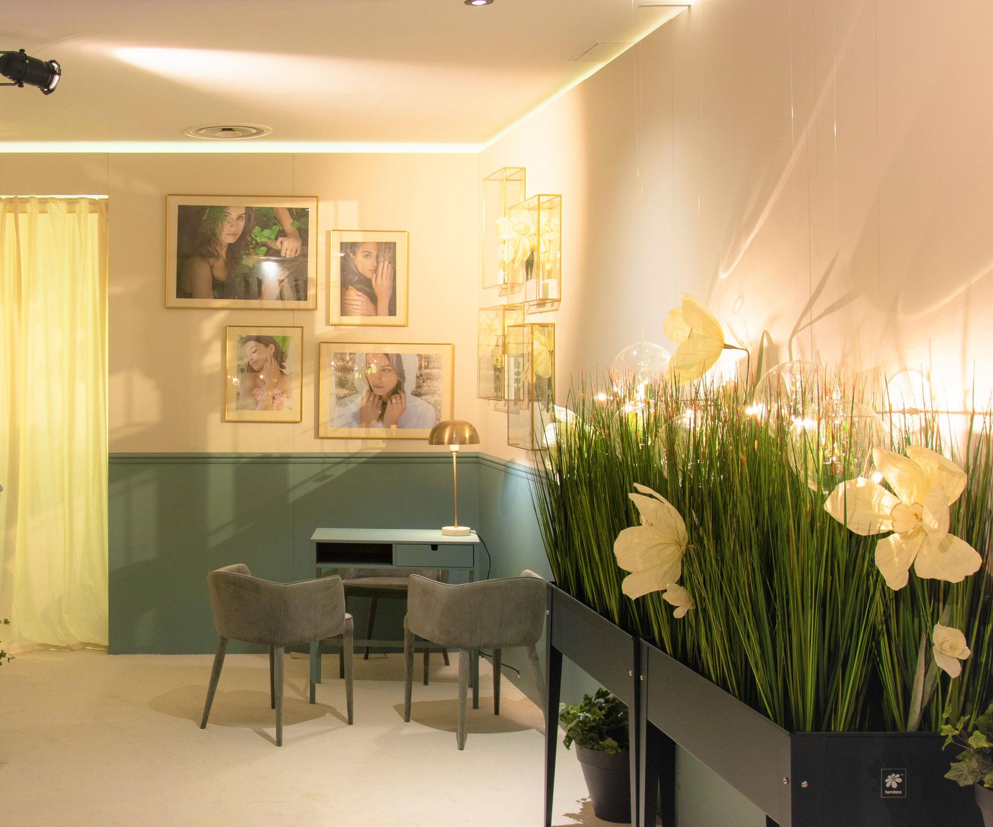 Fleurs géantes féeriques fantaisie en papier -Création Maria Salvador-La fabrique de fleurs en papier à Paris