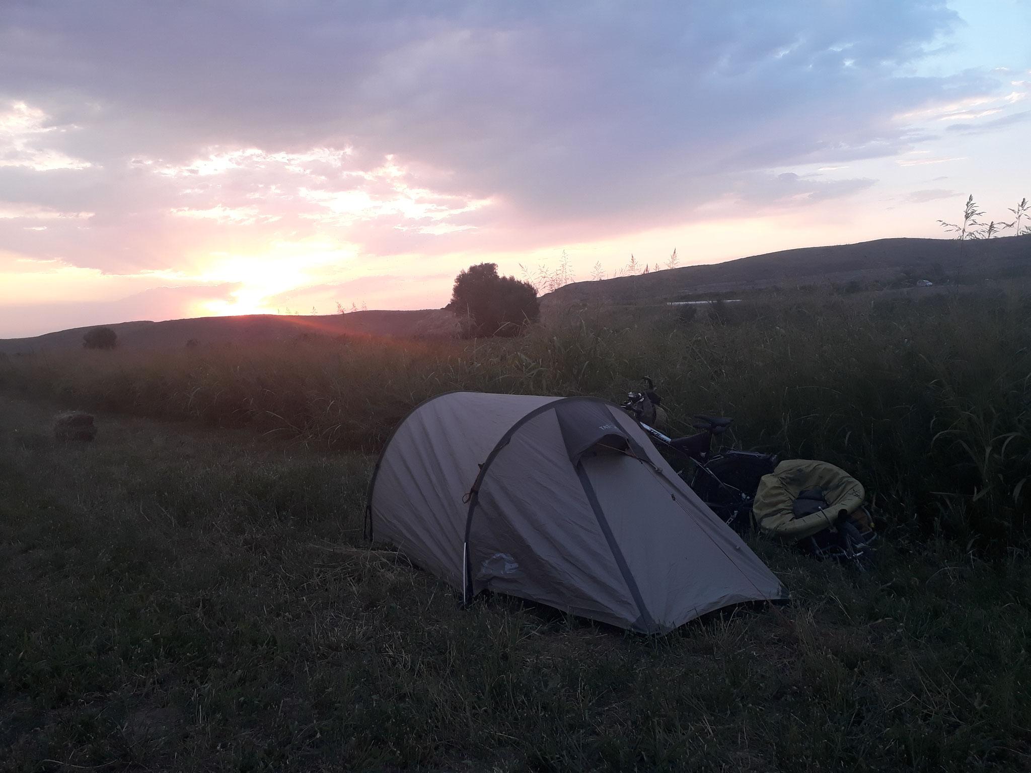 Campen im Feld