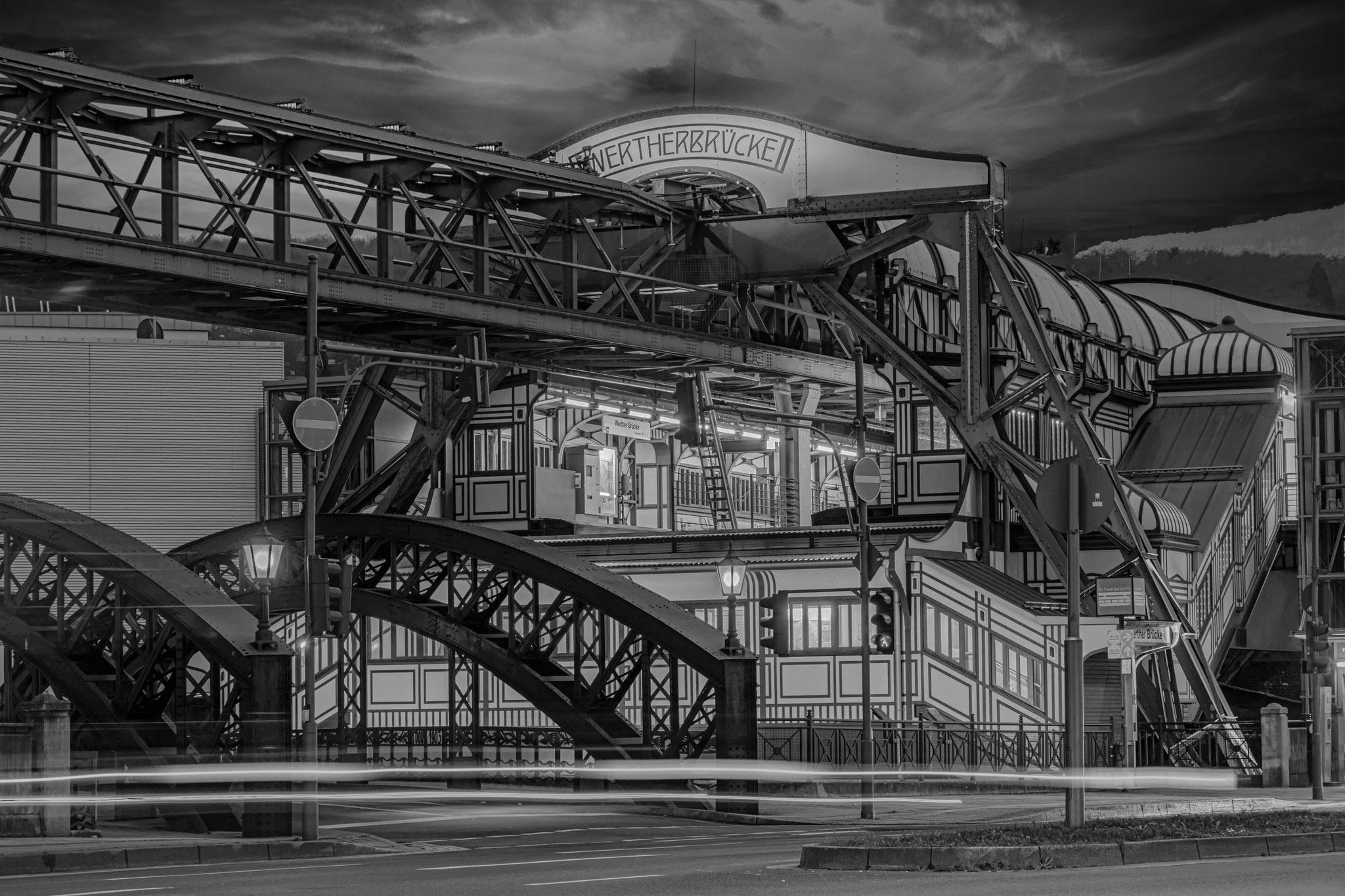 Schwebebahnhaltestelle Werther Brücke in Wuppertal