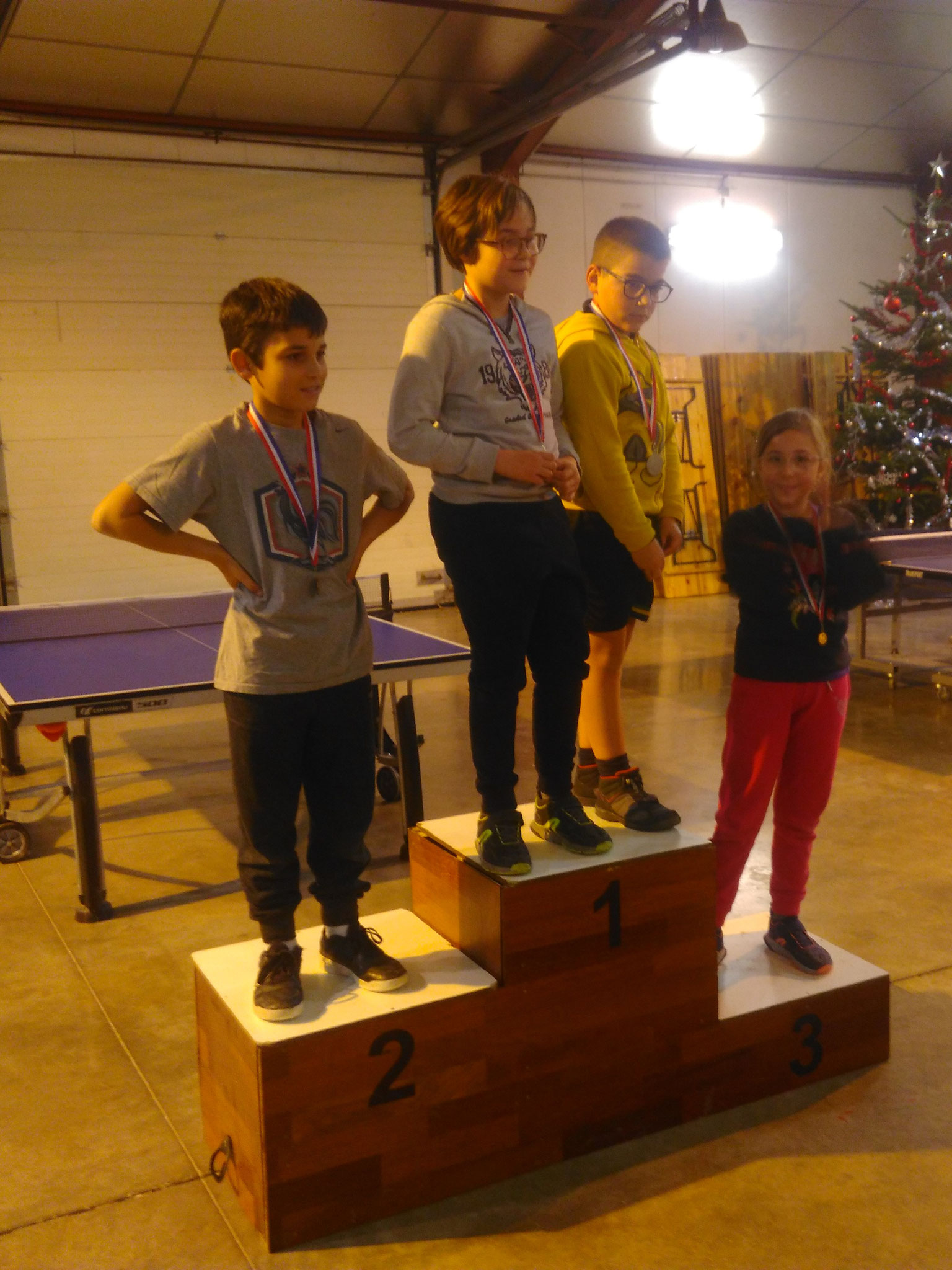 Podium des jeunes: 1ers Doriane et Seynna; 2ème Evan; 3ème Olivie.