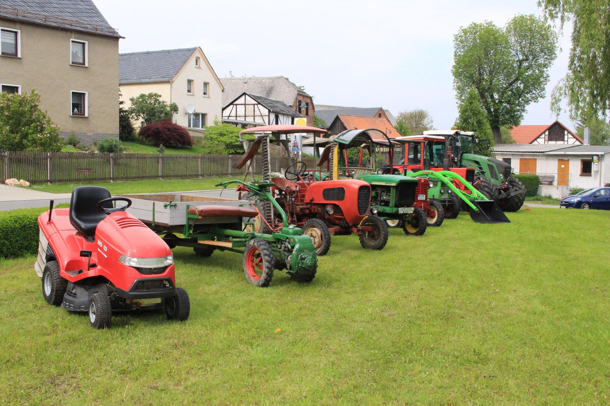 Frühlingsfest Traktorenschau