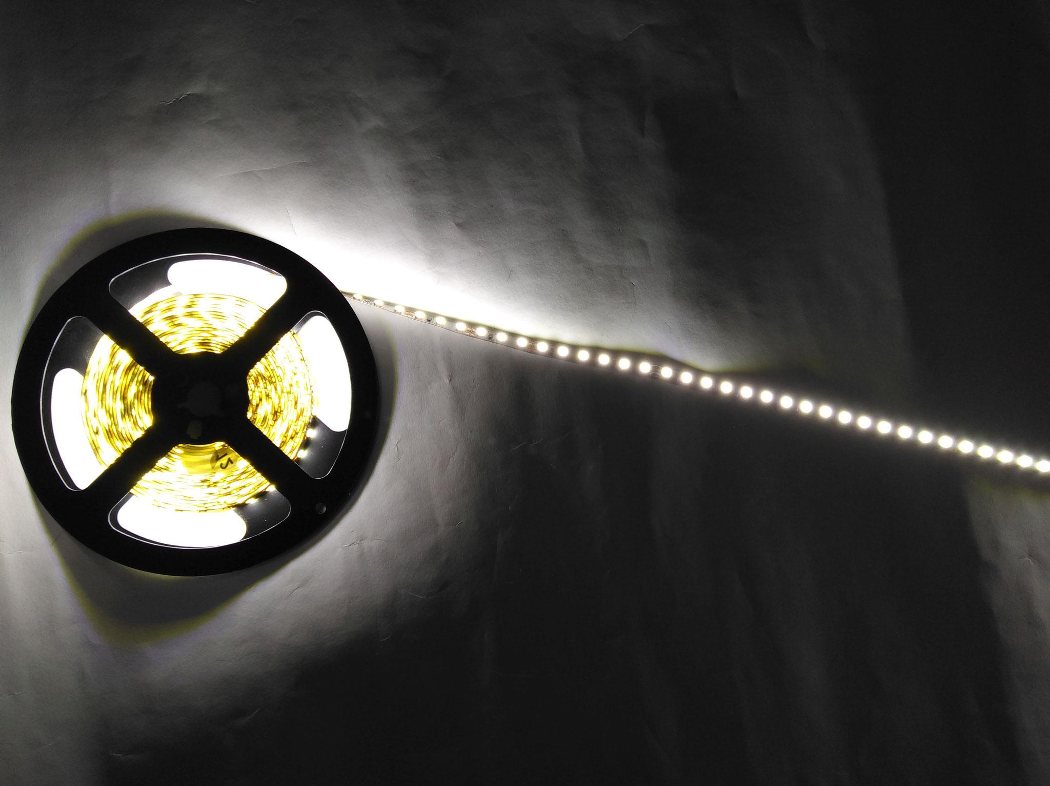 Светодиодная лента SMD3528 120 диодов на 1 метр