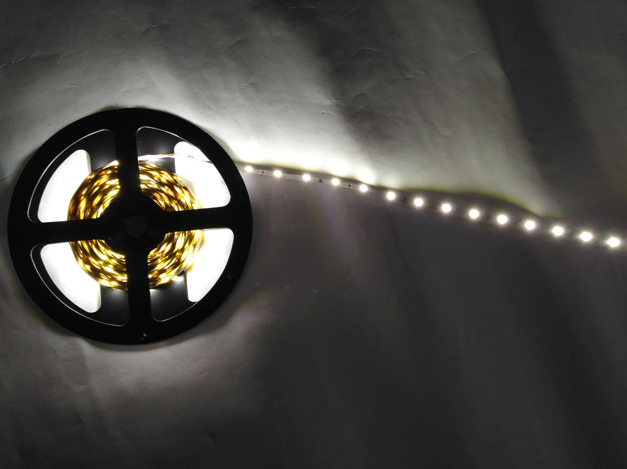 Светодиодная лента SMD3528 60 диодов на 1 метр