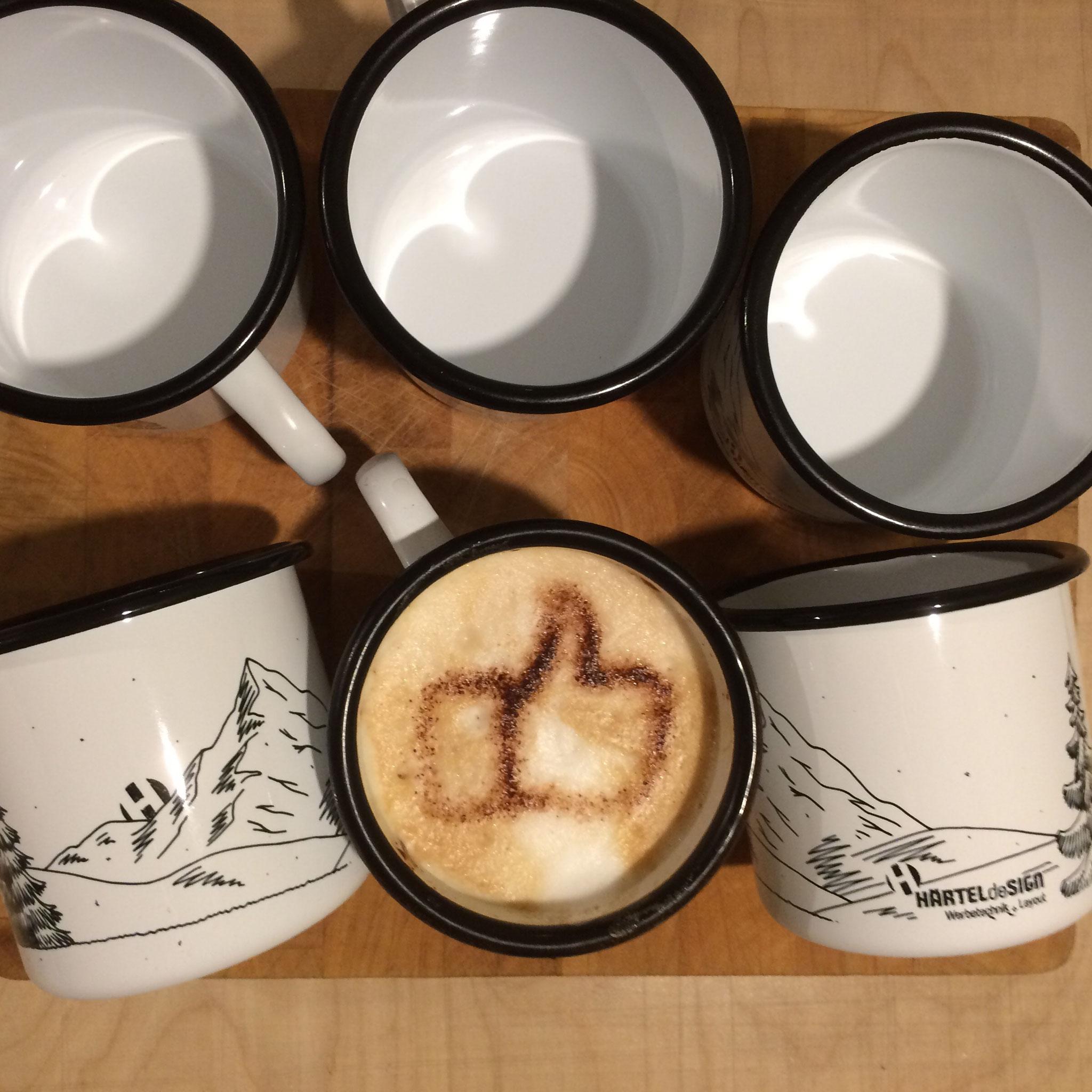 Emaille-Tassen mit Druck, Nachhaltig, haltbar, individuell.