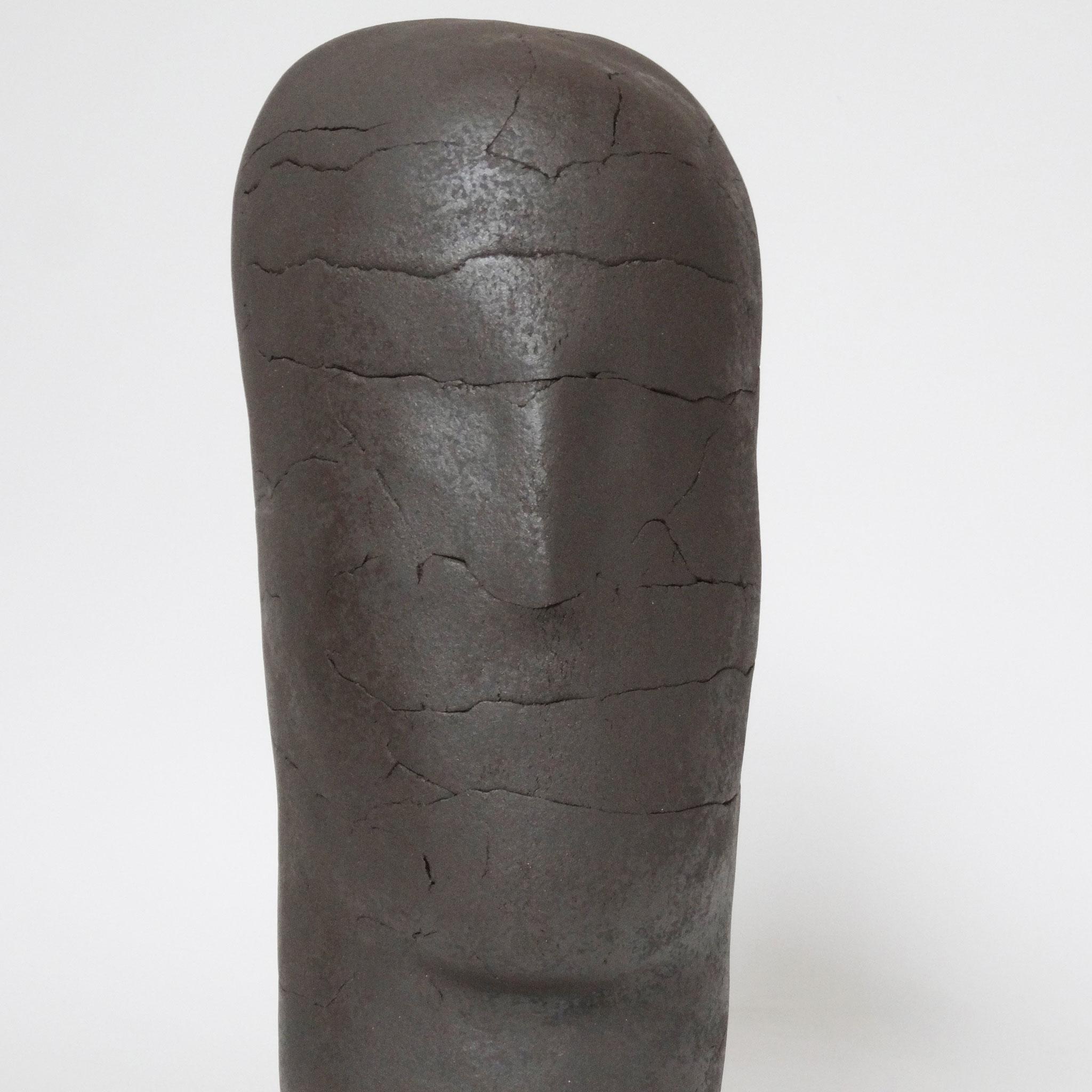 Sans titre (2016), céramique, 43x18x23,5 cm sculpture de Magdalena Kopacz.