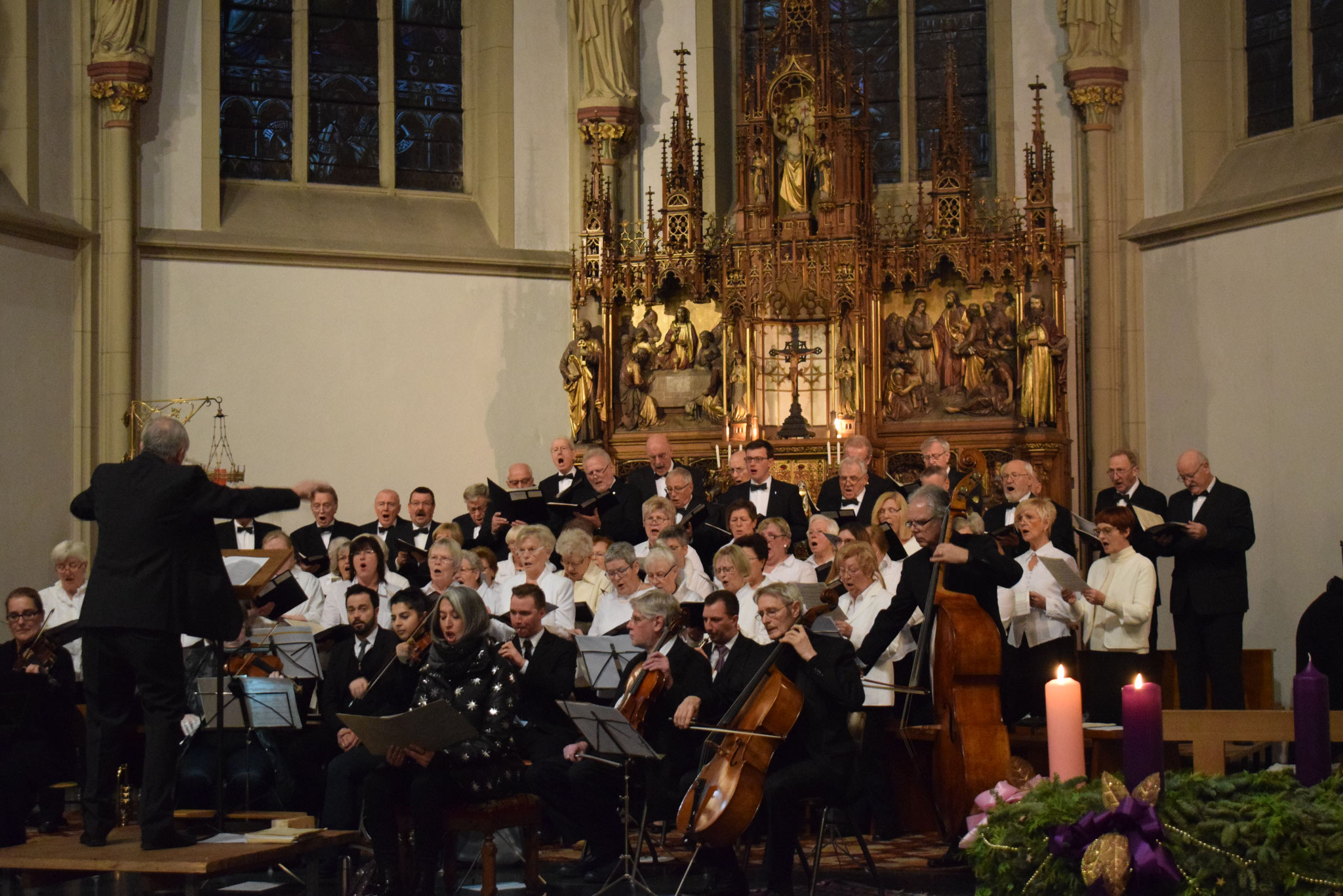 Chor und Orchester - Foto Damir Elezi - Hertener Allgemeine
