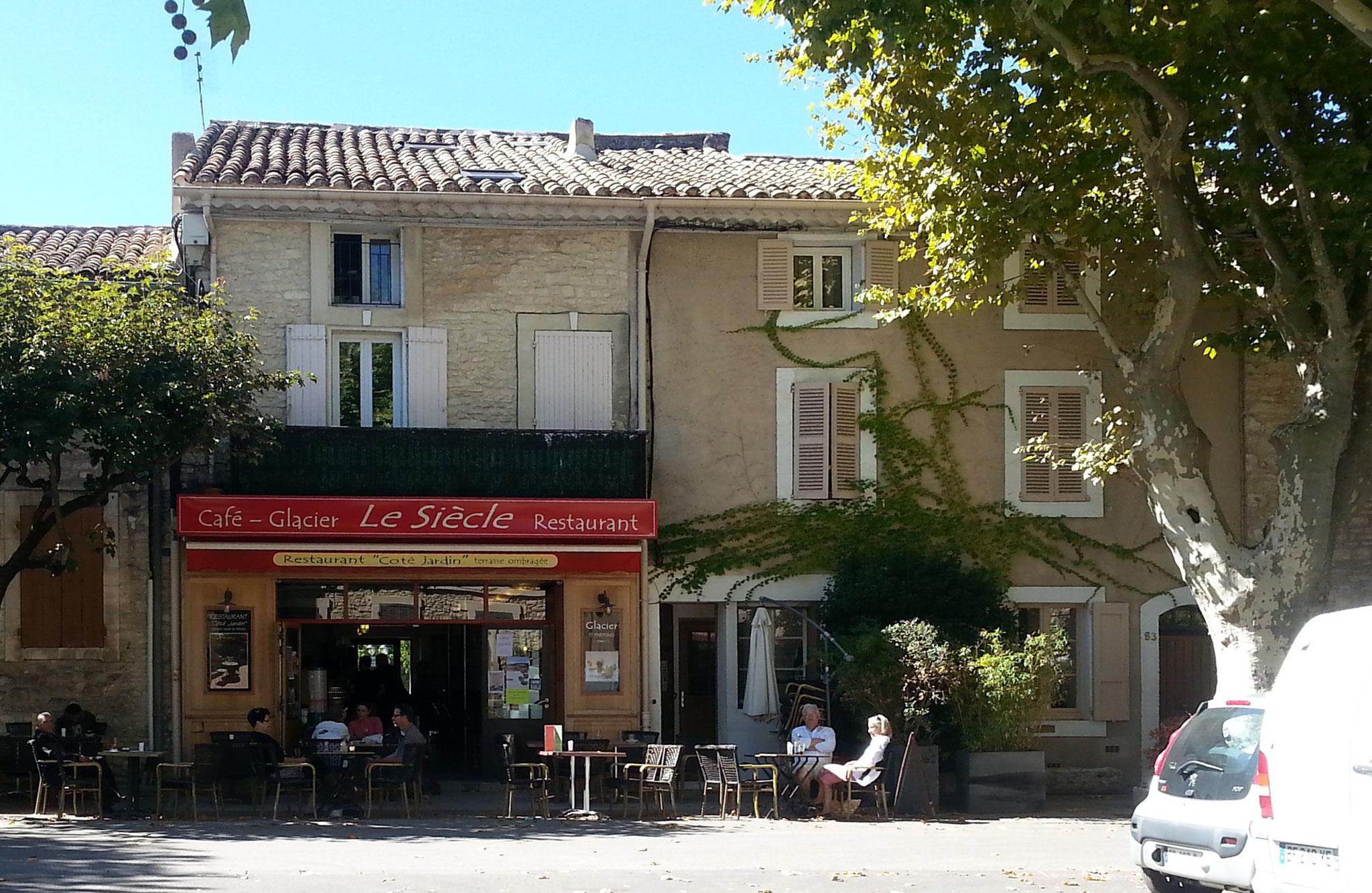 St. Didier - eins der Cafés ...