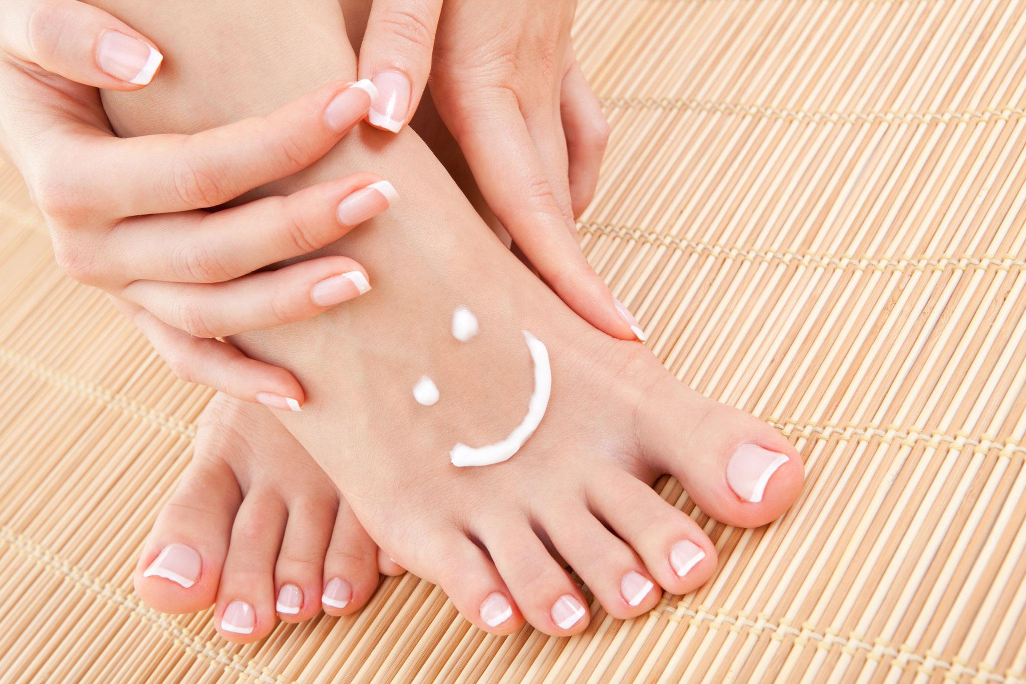 サンダル焼けしやすい足の甲もルルールで美白に。