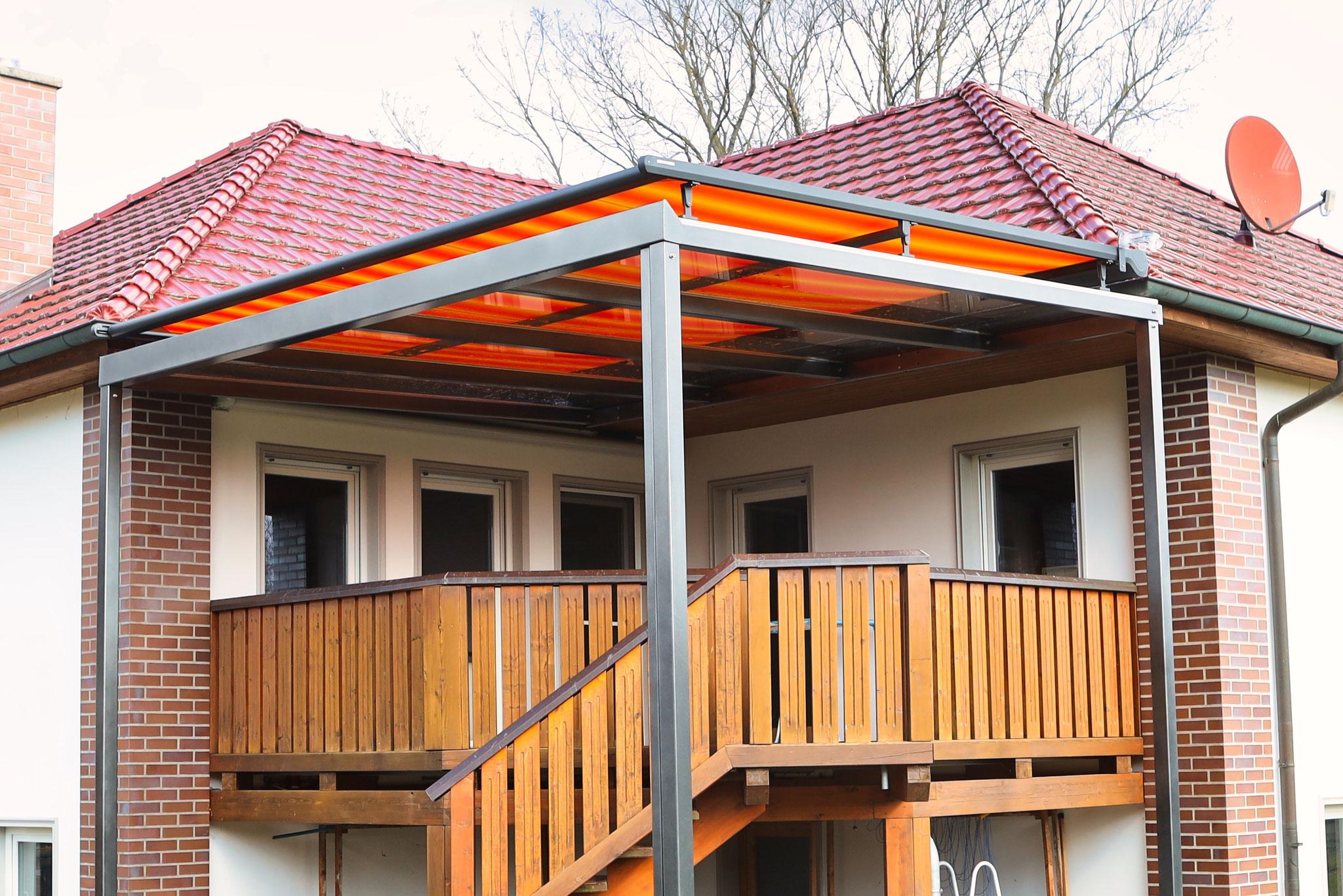 Vordach mit Markise