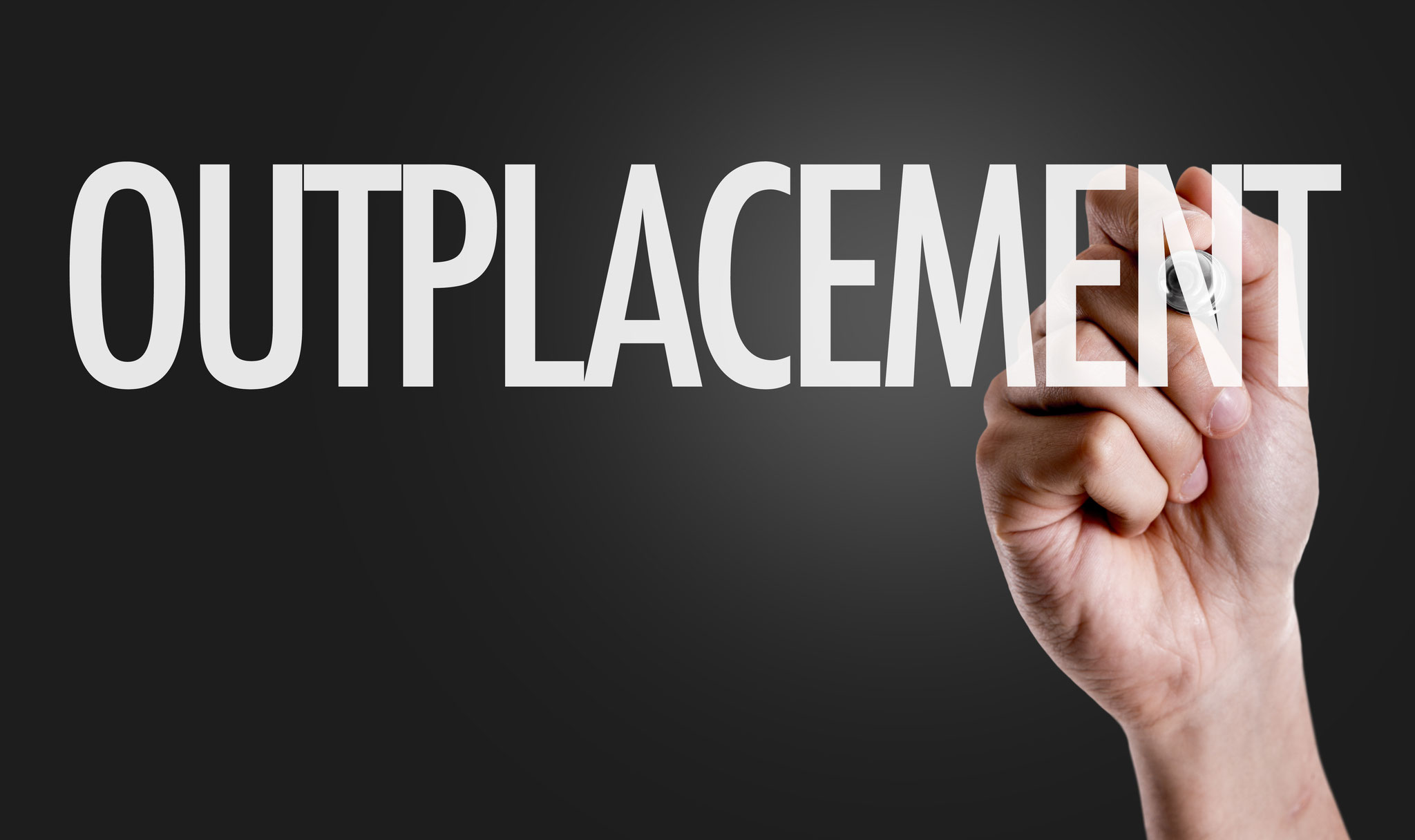 Einzeloutplacement ▪ Gruppenoutplacement - Jede Outplacement-Beratung umfasst eine Begleitung bei allen Stufen des Bewerbungsprozesses