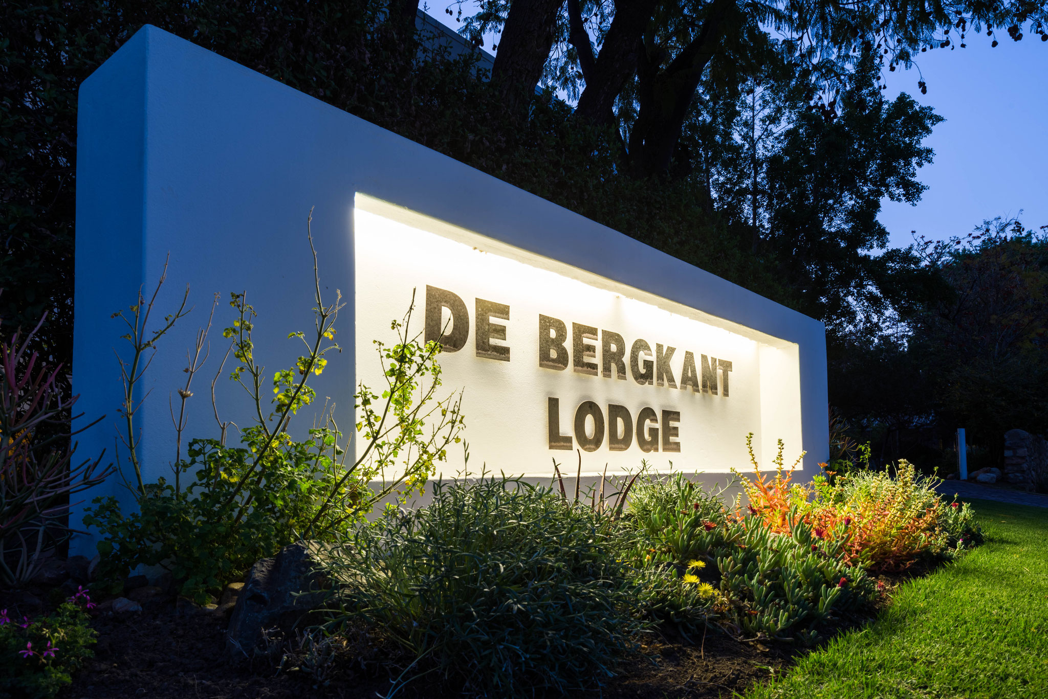 'De Bergkant Lodge' Entrance Sign