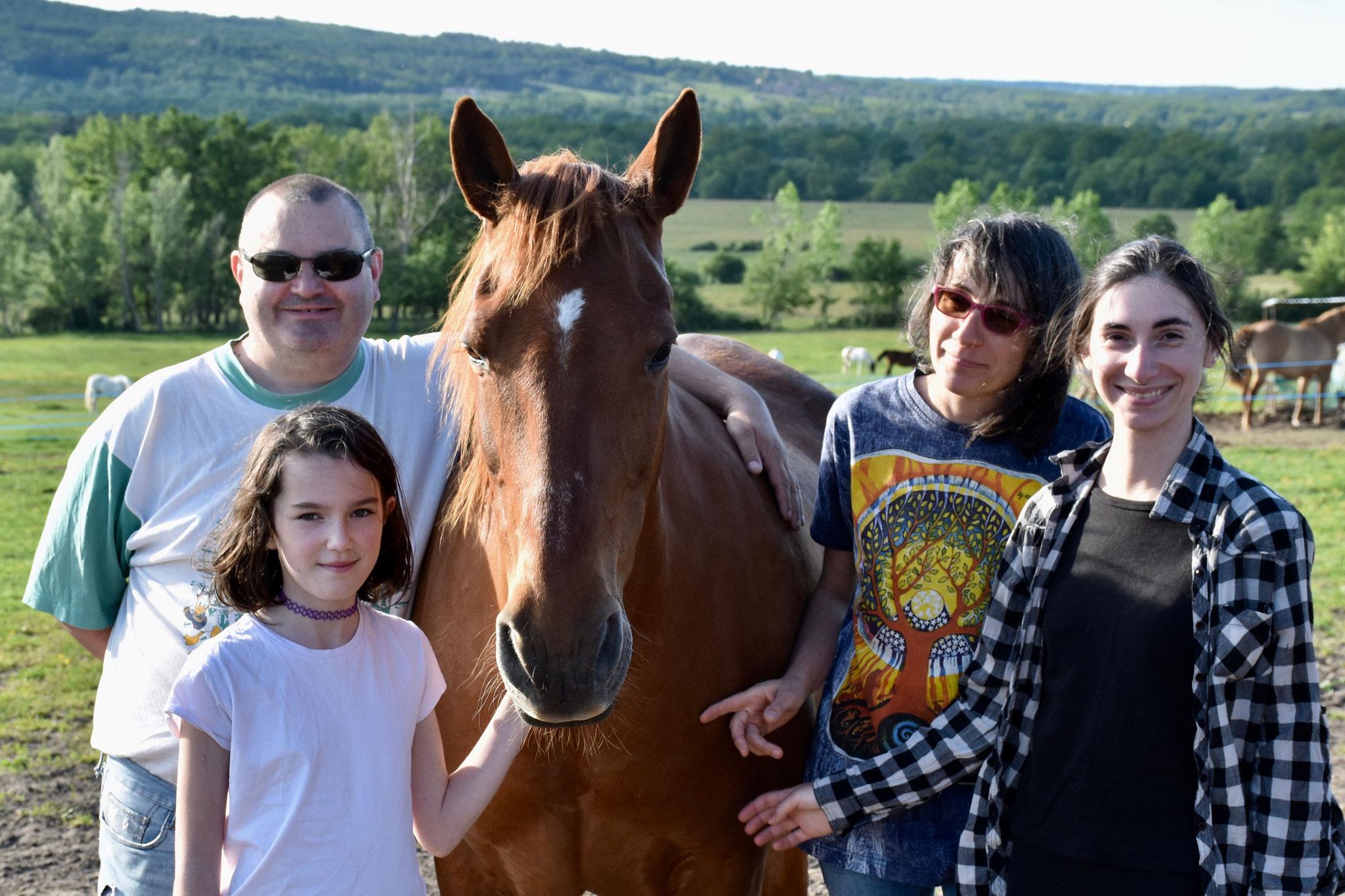 King adopté en juin par Sylviane et sa famille