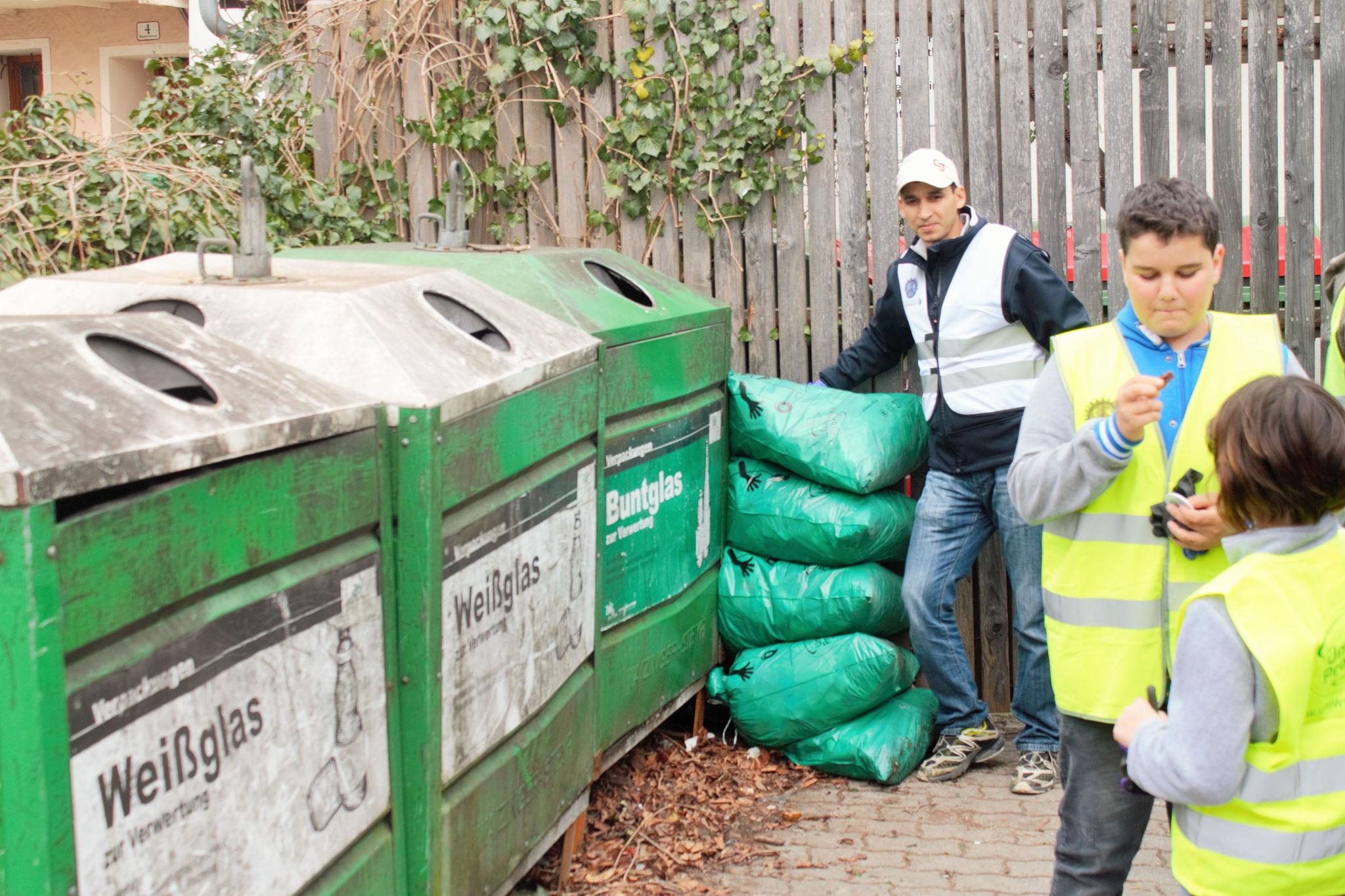 Fünf große Säcke Müll in nur zwei Stunden gesammelt