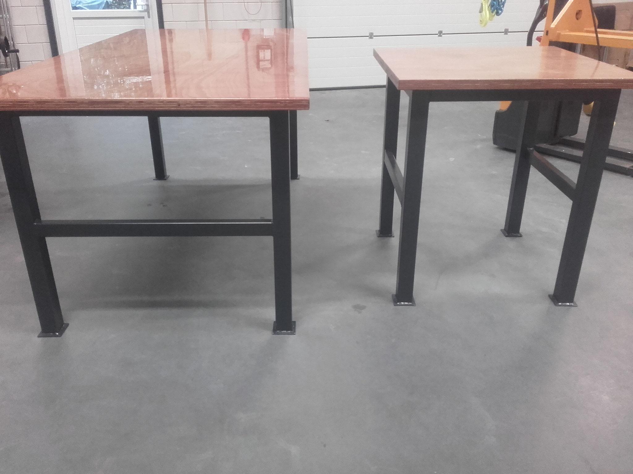 Stevige werkplaats tafels met houten blad geleverd