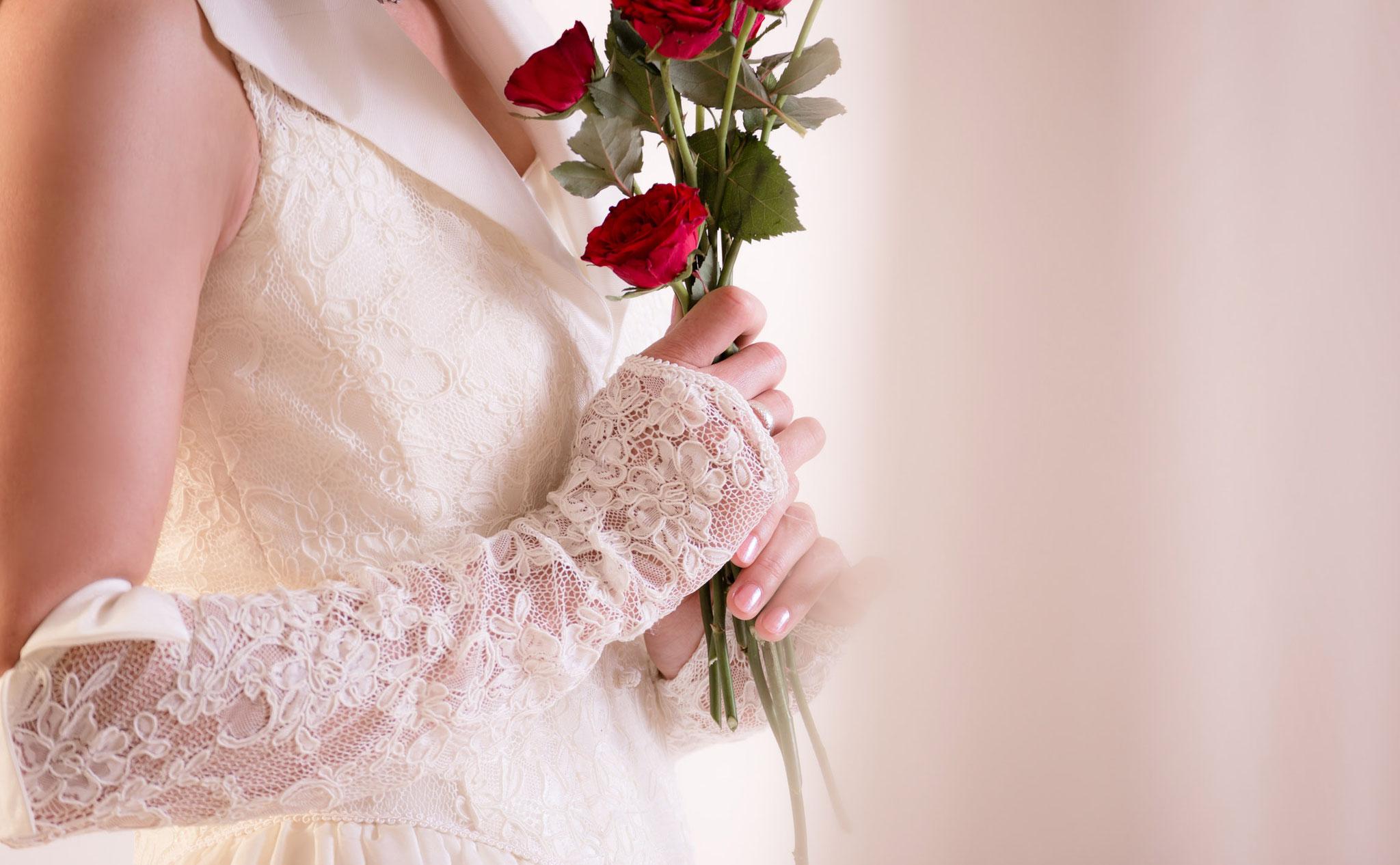 Hochzeits Fotoshooting in Erlangen mit Rosen aus Nürnberg - Fotograf Erlangen