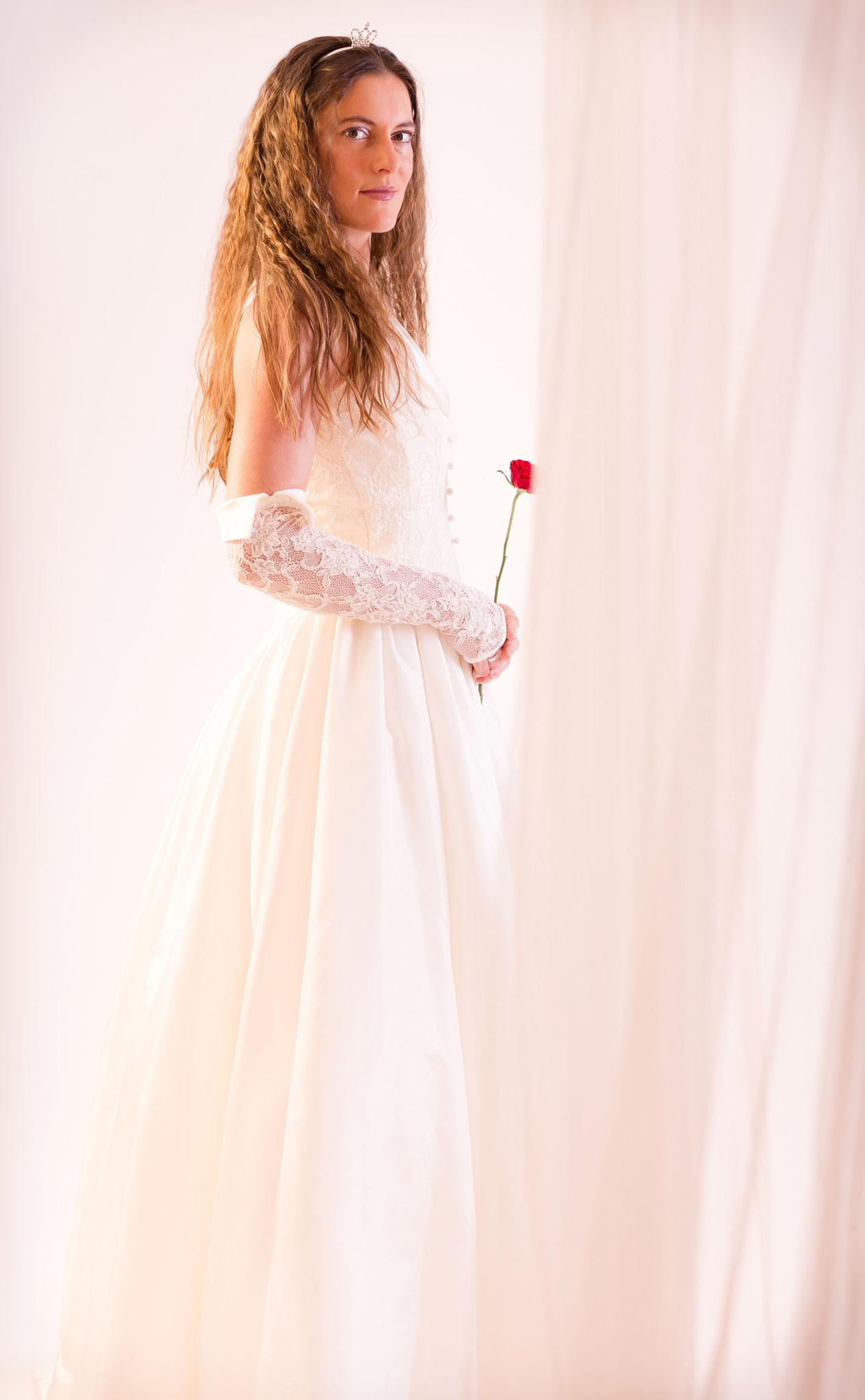 Hochzeitsbraut beim Fotoshooting beim besten Fotografen in Erlangen