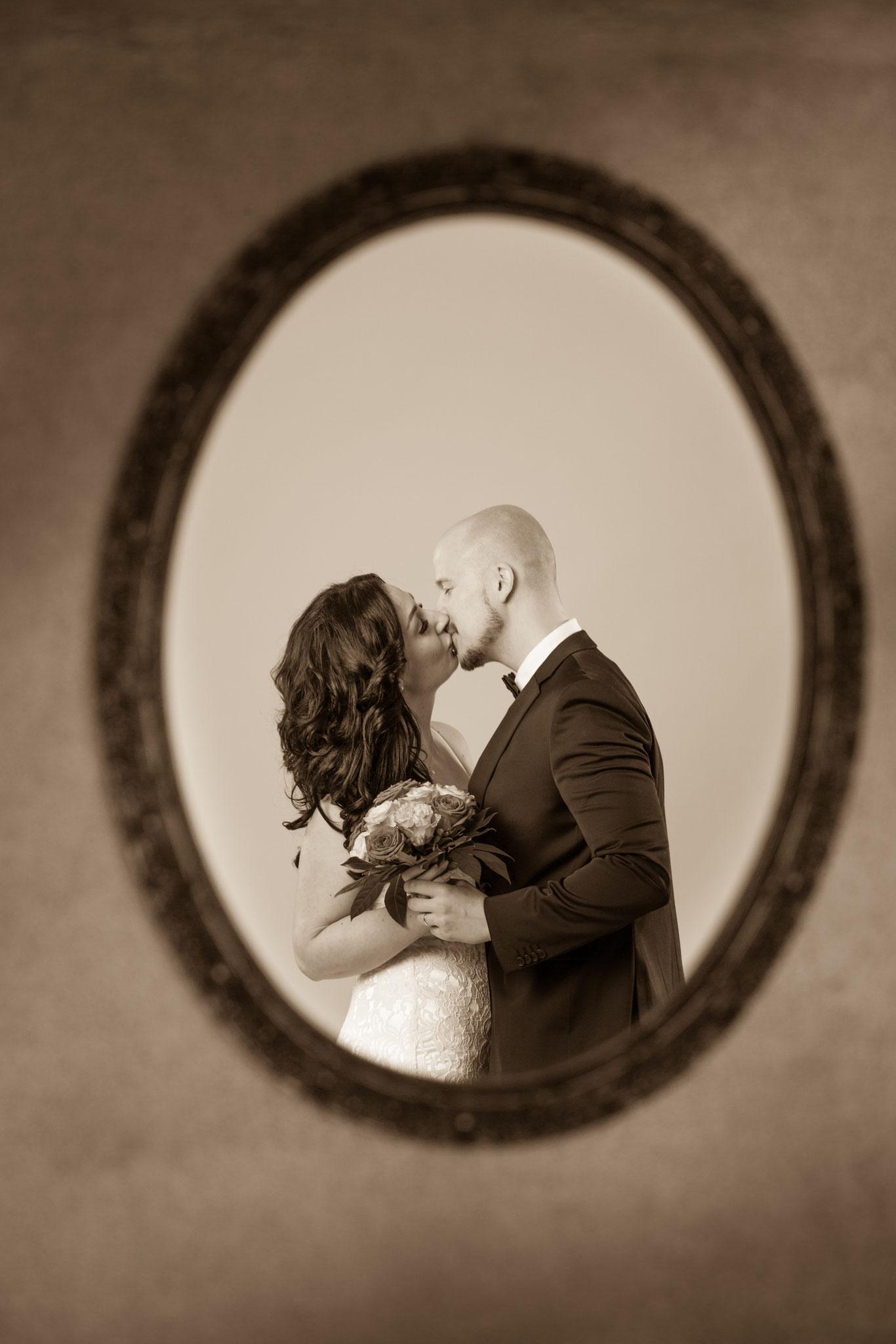 Romantisches Brautpaar-Shooting im Fotostudio Fotos mit Freude in Erlangen