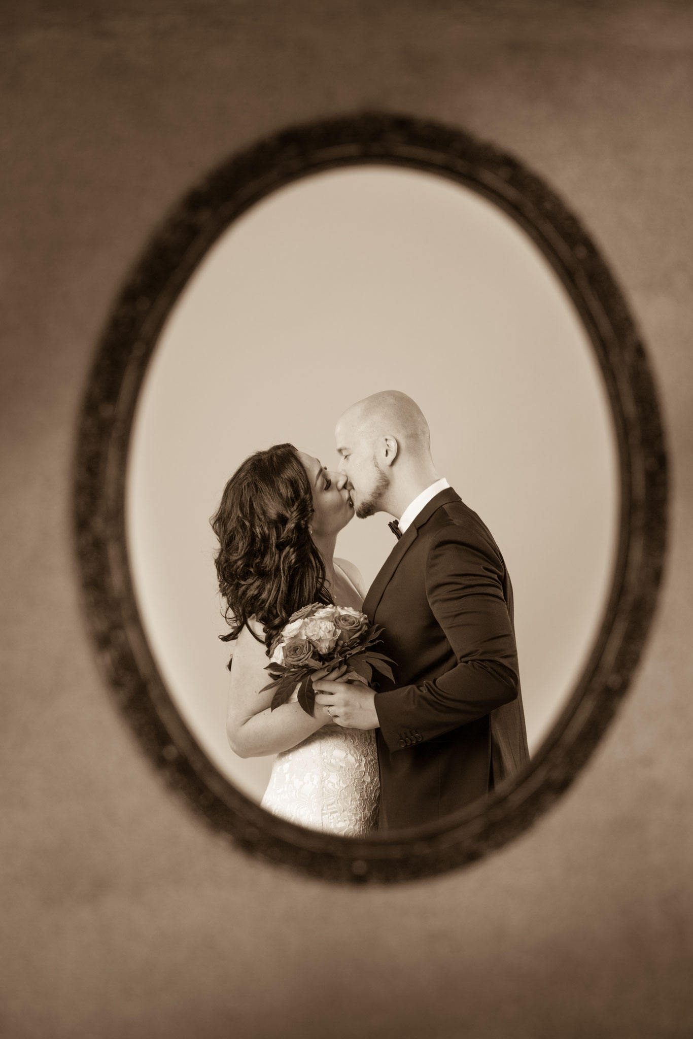 Romantisches Brautpaar-Shooting im Fotostudio Fotos mit Freude in Erlangen - Fotograf Erlangen