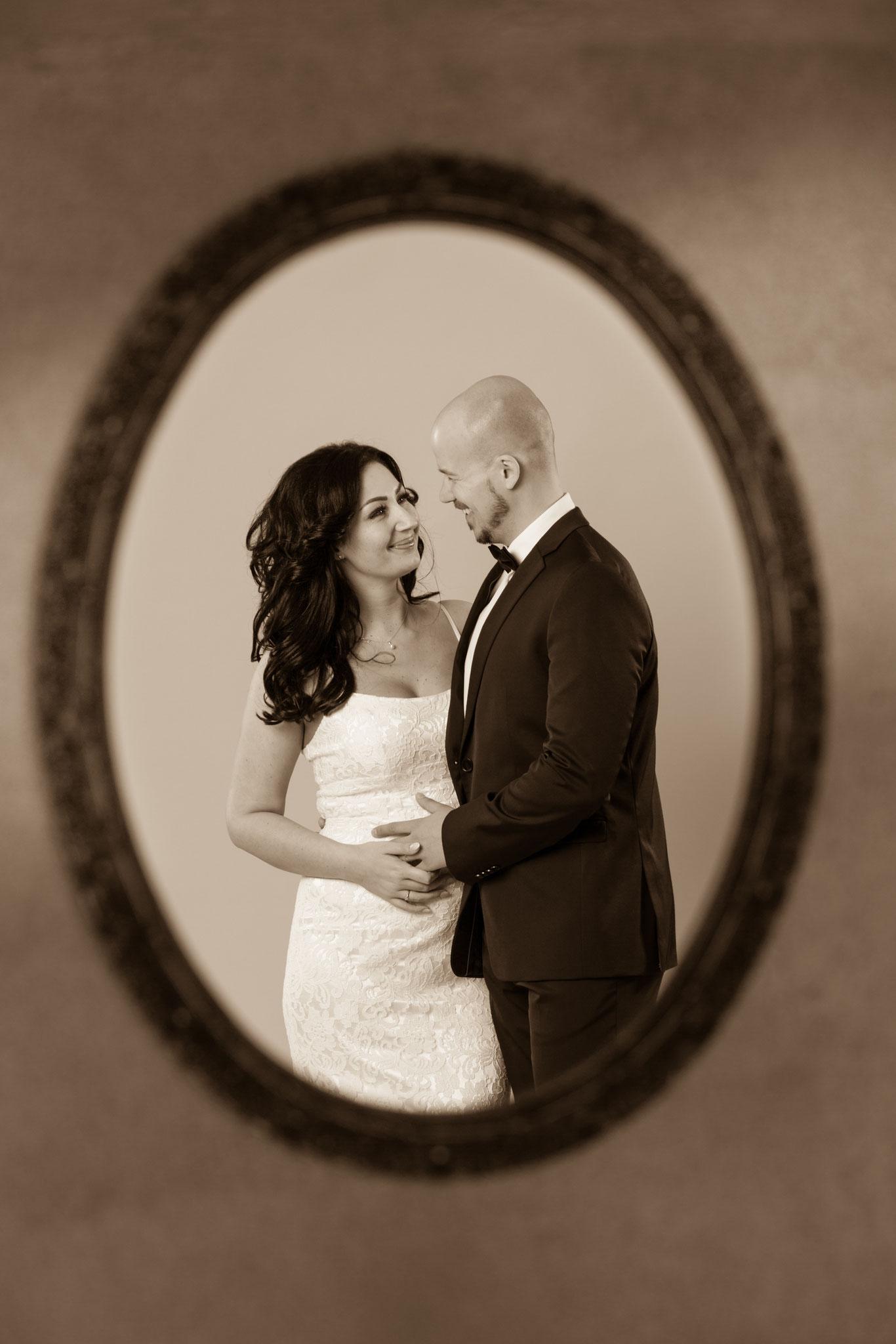 Schöne Hochzeitsfotografie von Erlanger Brautpaar mit Fotorgaf aus Erlangen