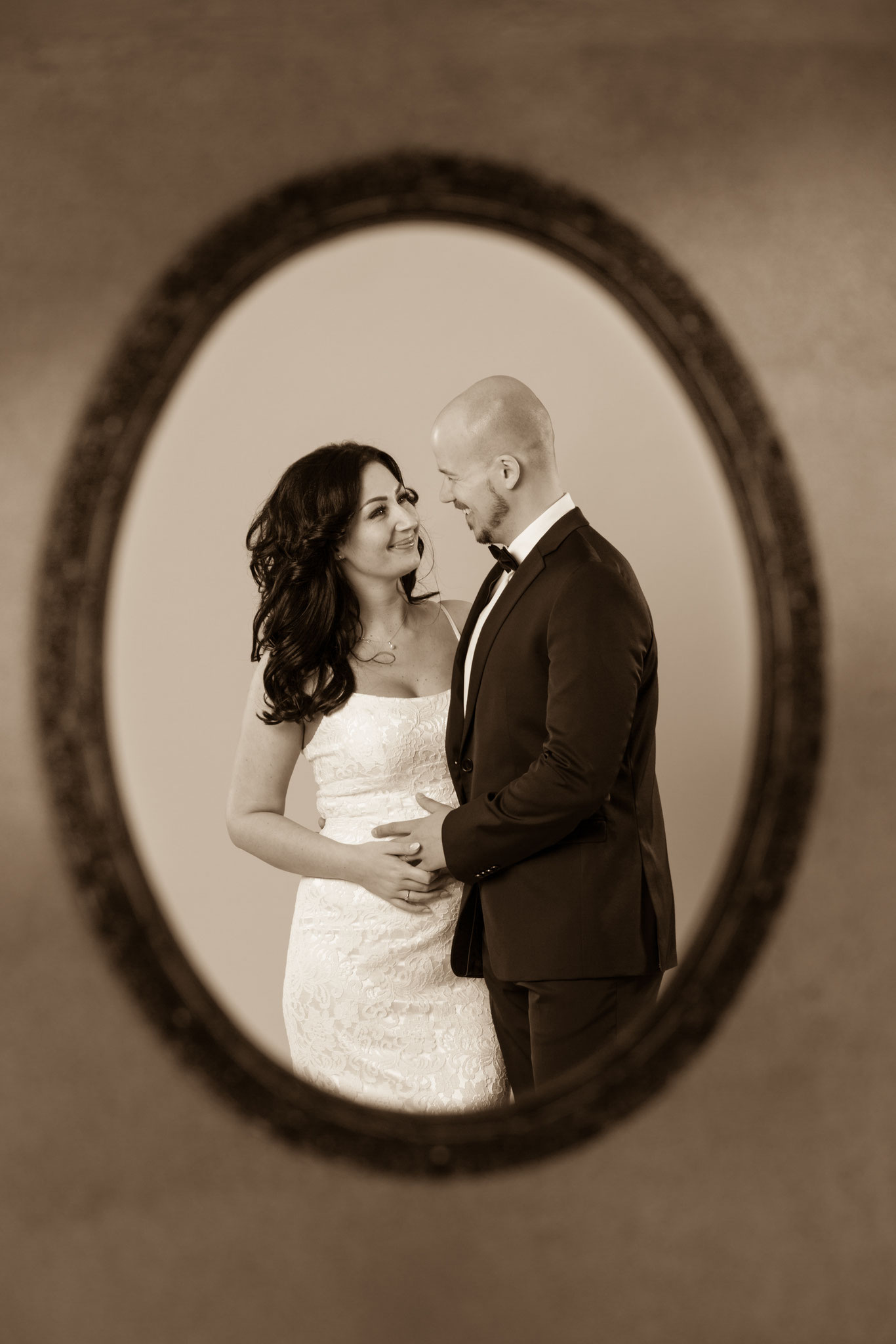 Schöne Hochzeitsfotografie von Erlanger Brautpaar mit Fotorgaf aus Erlangen - Fotostudio Erlangen