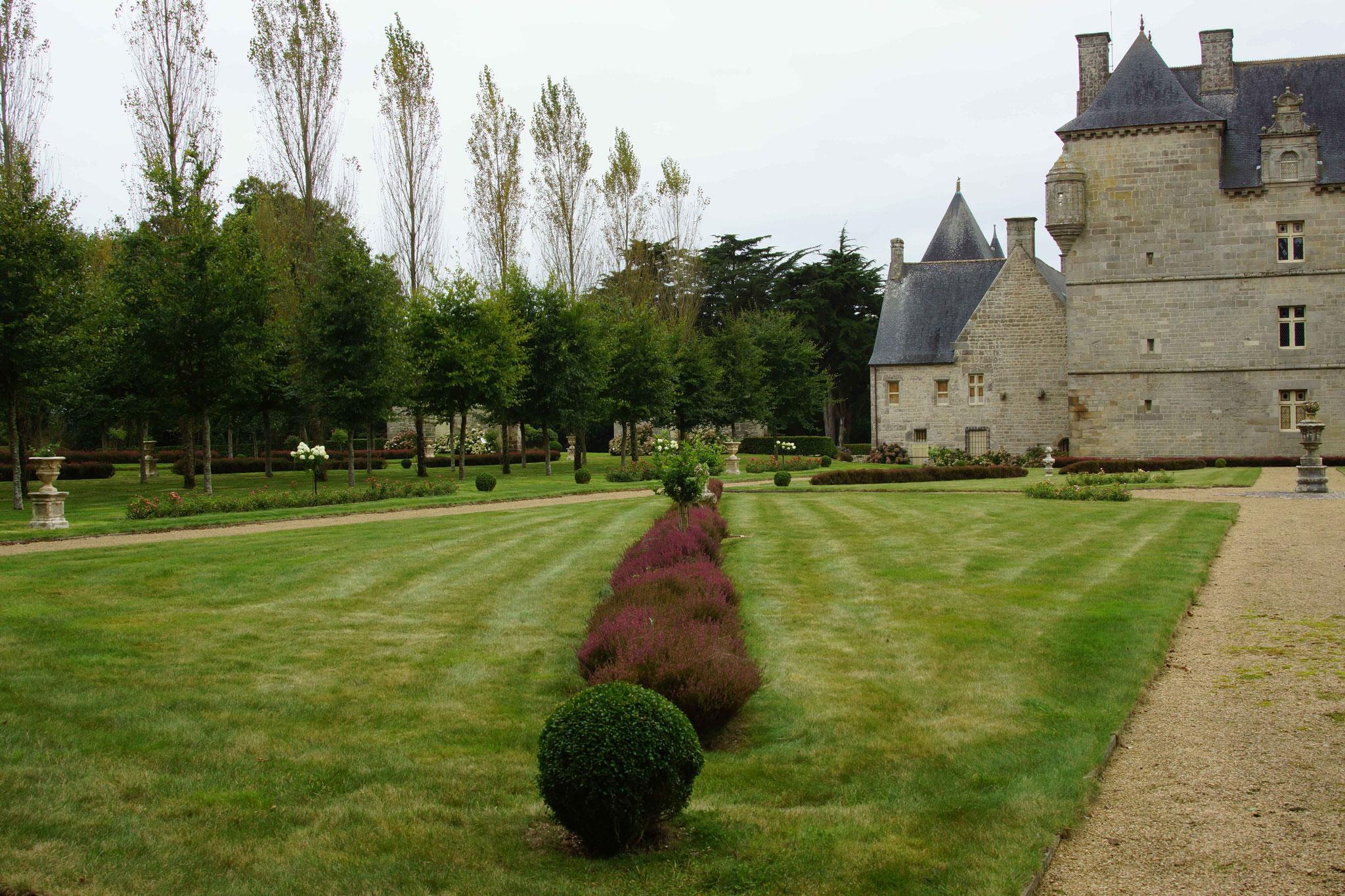 Château de Kerroué, Loguivy Plougras 2