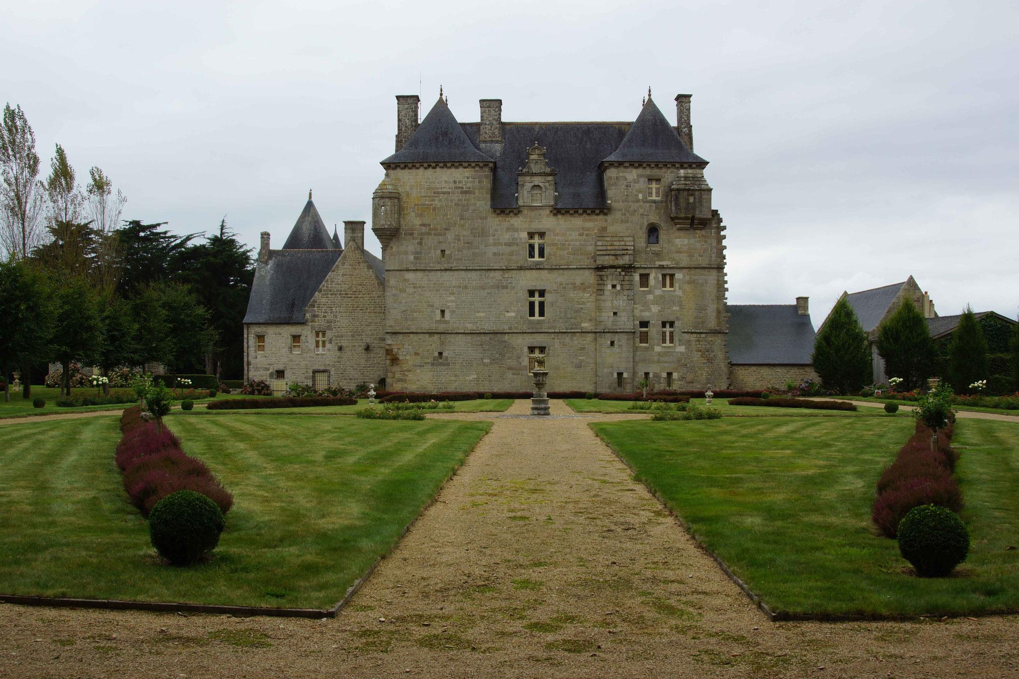 Château de Kerroué, Loguivy Plougras 8