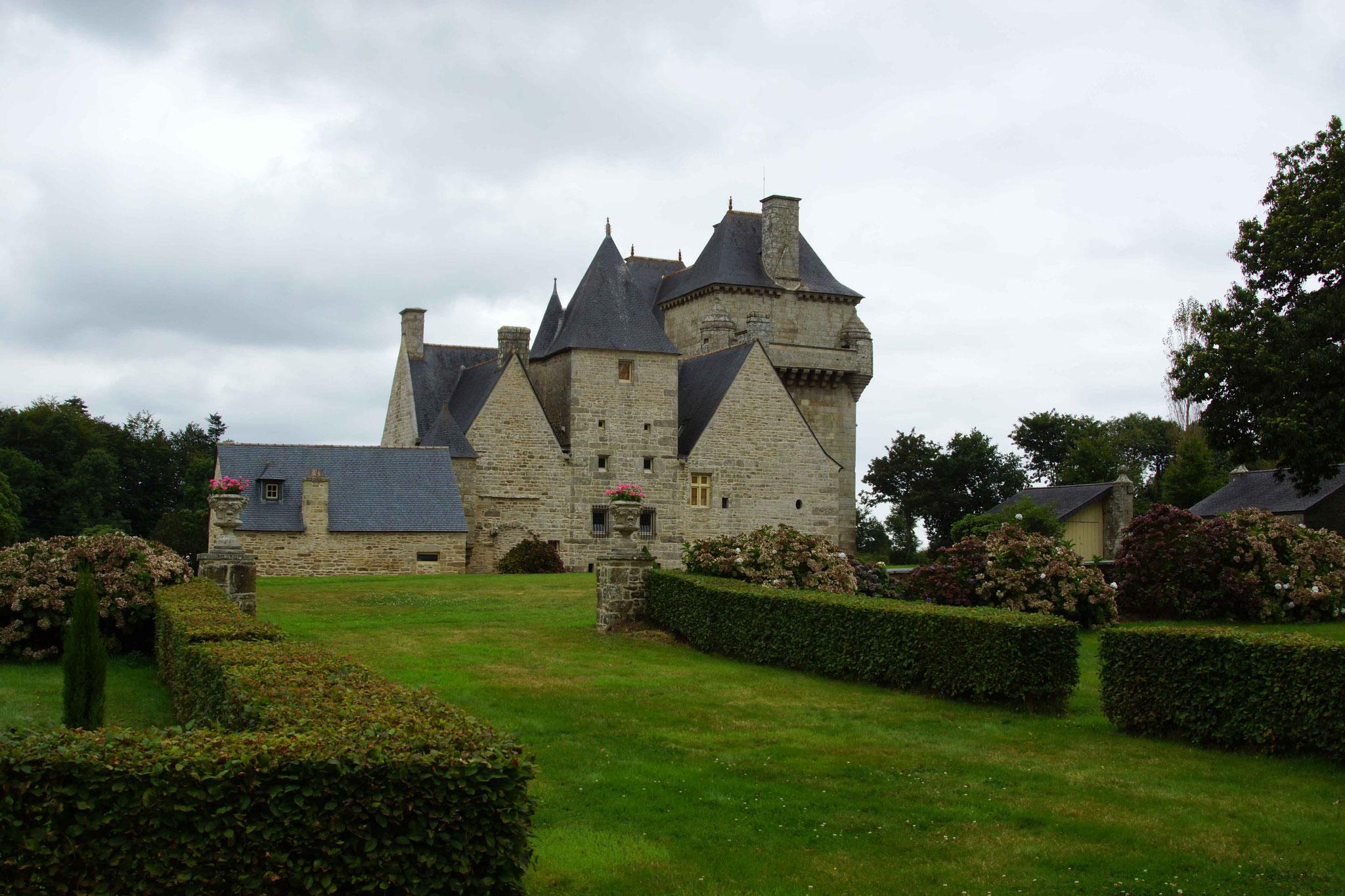 Château de Kerroué, Loguivy Plougras 9