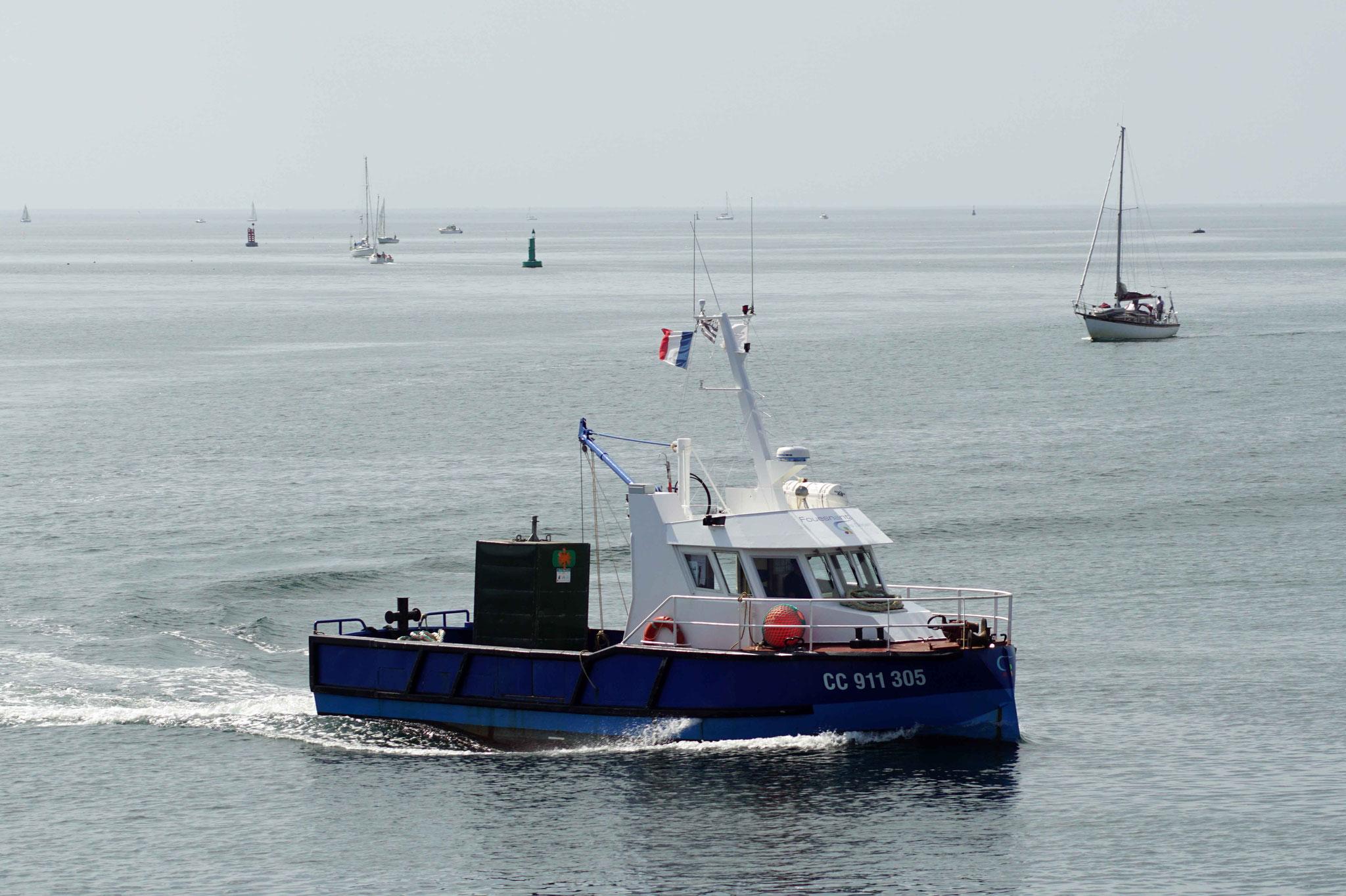 Fouesnant Les Glénan (Caboteur, navire de ravitaillement des Glénan ; 11,90 m / 5 m  ~ Mairie de Fouesnant), CC 911 305 ~ Construit en 1999