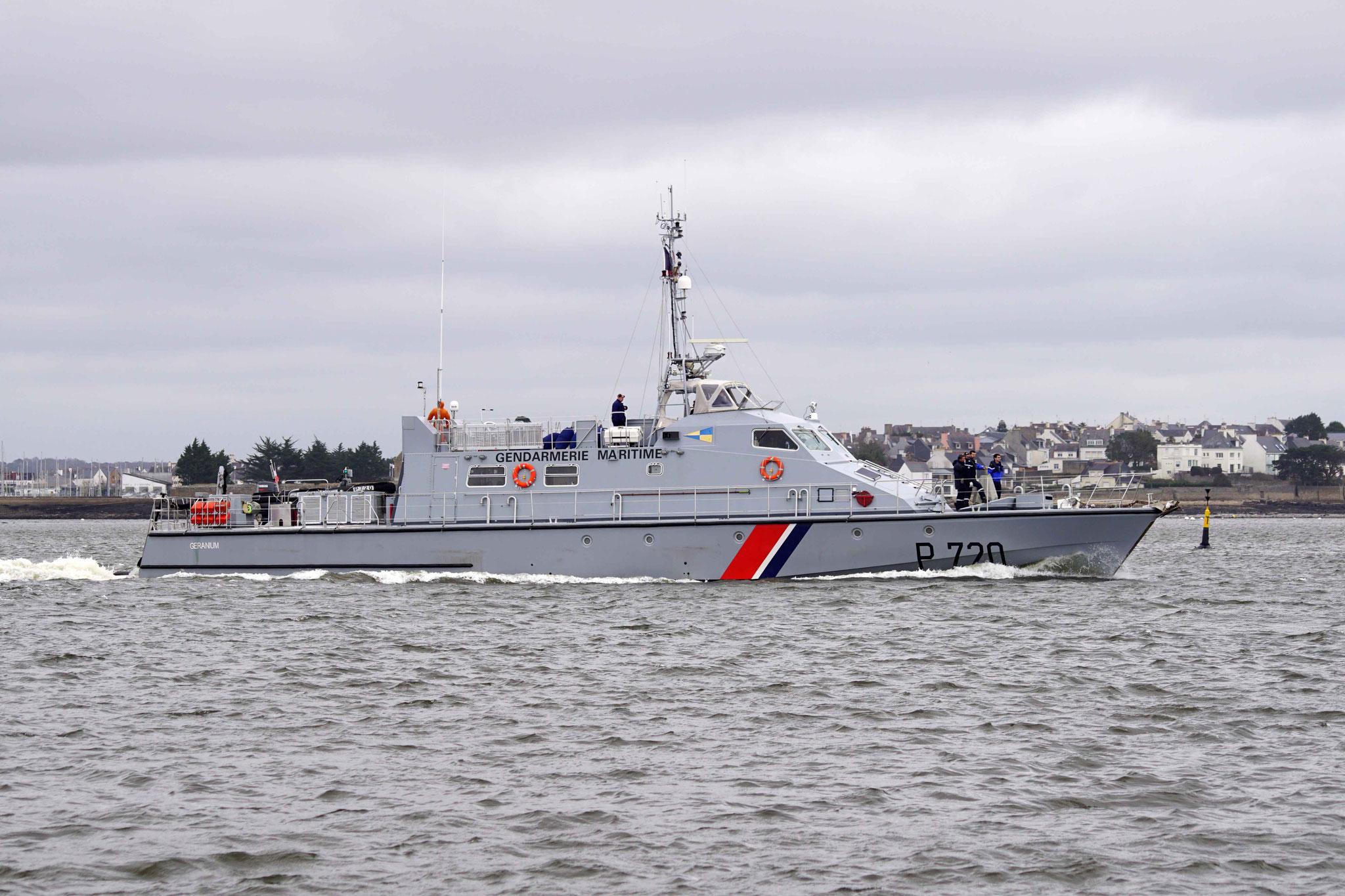 Géranium (Patrouilleur ; 32,15 m / 6,10 m ~ Gendarmerie Maritime), mmsi 228807300 ; P 720 ~ Construit en 1995